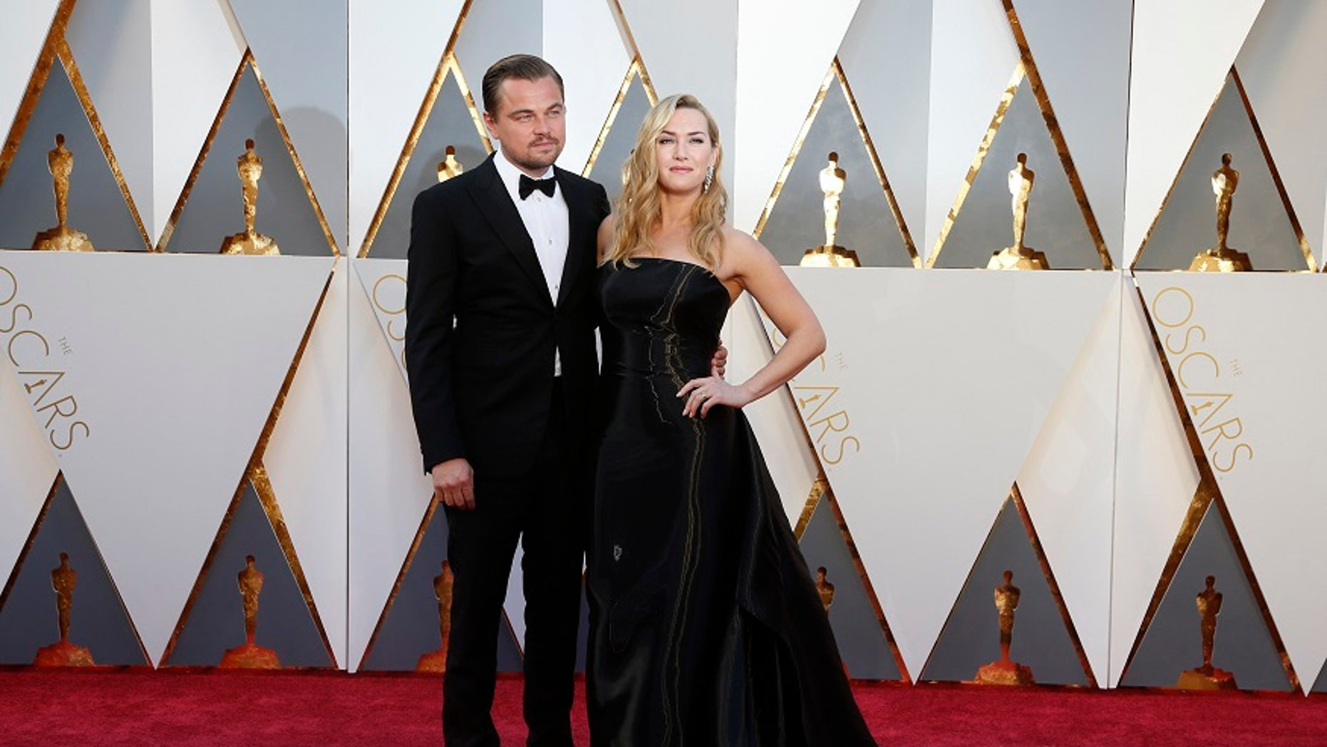 """""""Titanic"""" stars Leonardo DiCaprio, Kate Winslet and Billy Zane had a mini reunion on Wednesday night while attending a gala."""