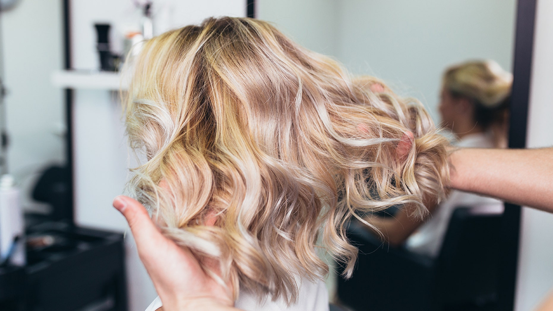 What color is better to lighten your hair