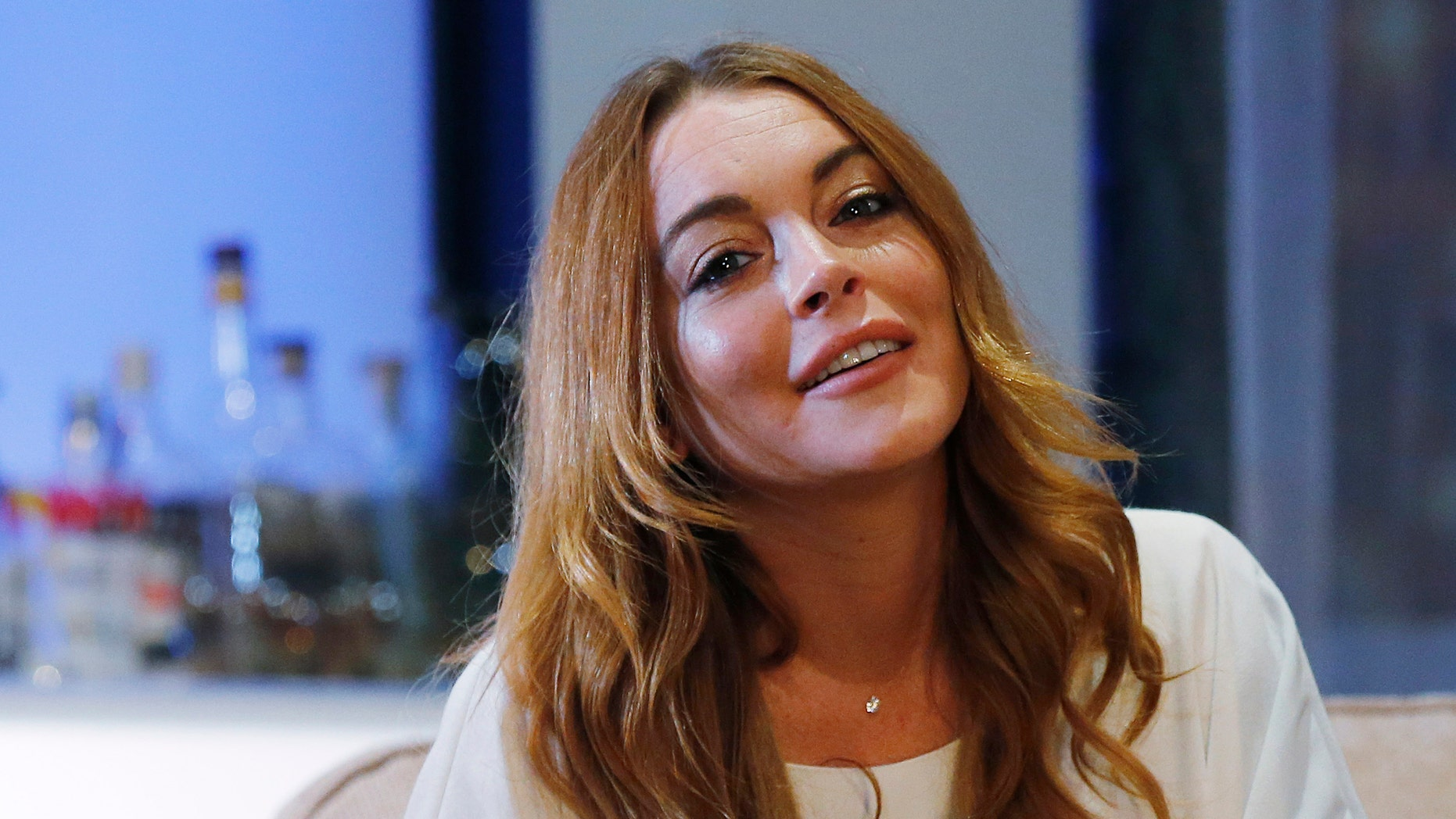 "Actress Lindsay Lohan rehearses a scene from ""Speed-the-Plow"" by David Mamet at the Playhouse Theatre in London September 30, 2014. The play, directed by Lindsay Posner, runs until November 29. REUTERS/Suzanne Plunkett (BRITAIN - Tags: ENTERTAINMENT) - RTR48DQP"