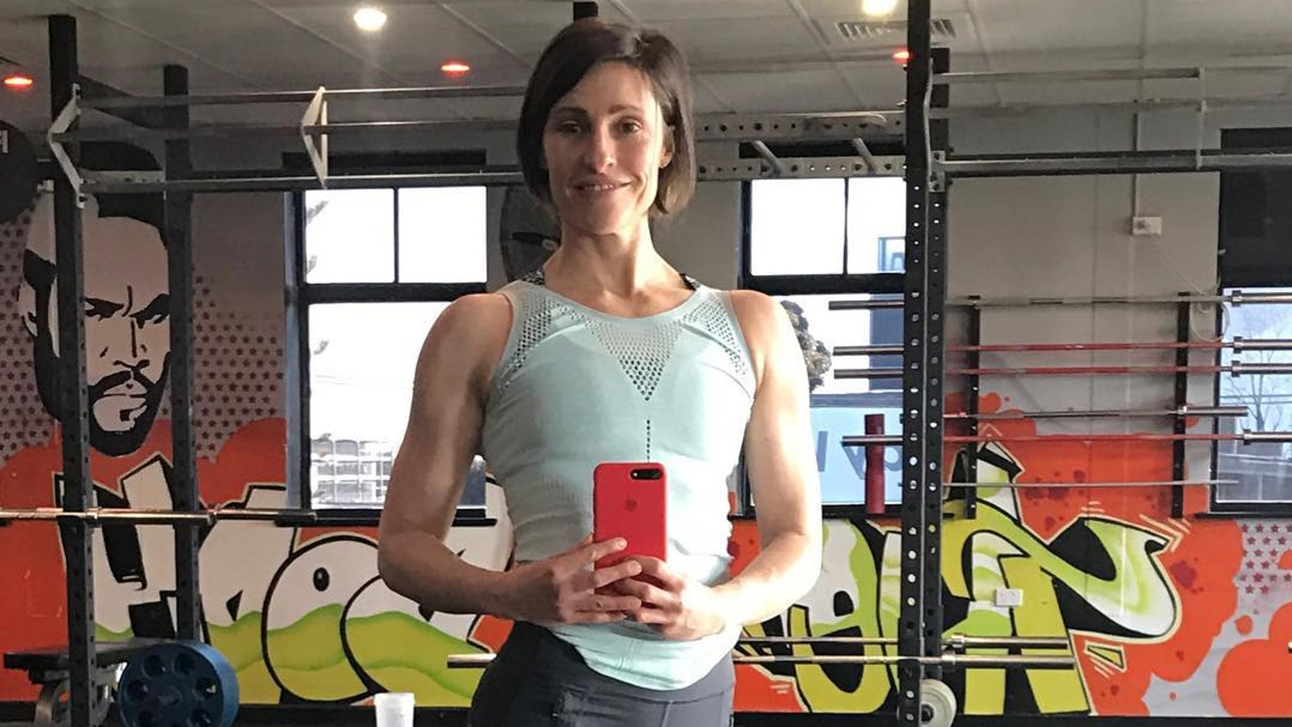 Liz Lllorente, a personal trainer from Australia, beat the record for most burpees in an hour over the weekend — or did she?