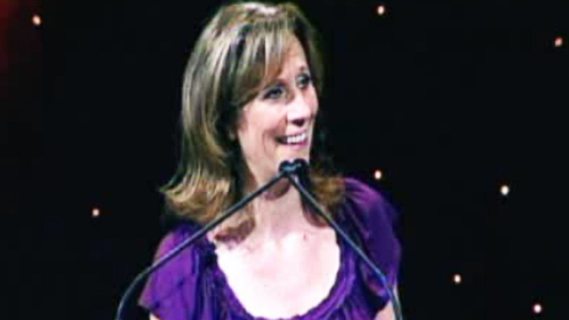 Lizz Winstead performs stand up comedy in videos posted on her official website.
