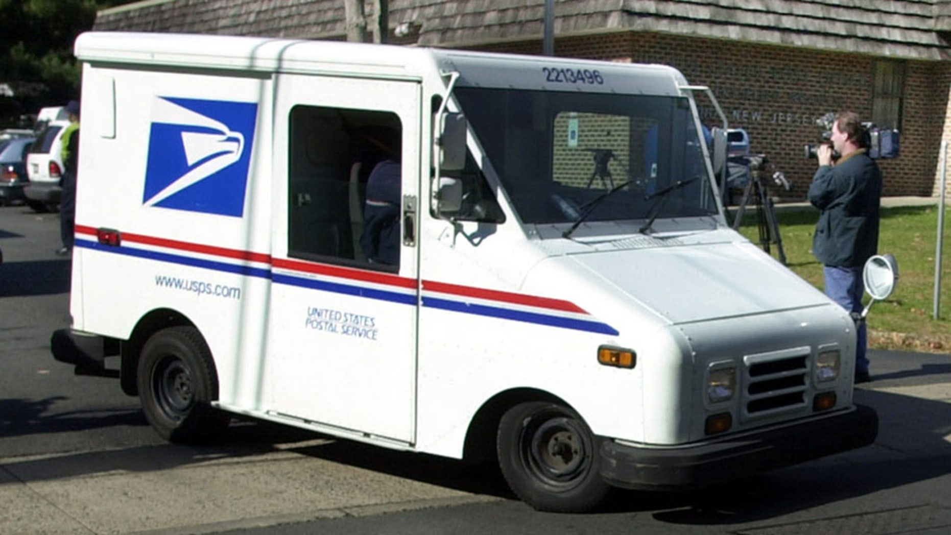 c3ee822af3 U.S. Postal Service searching for the mail truck of the future