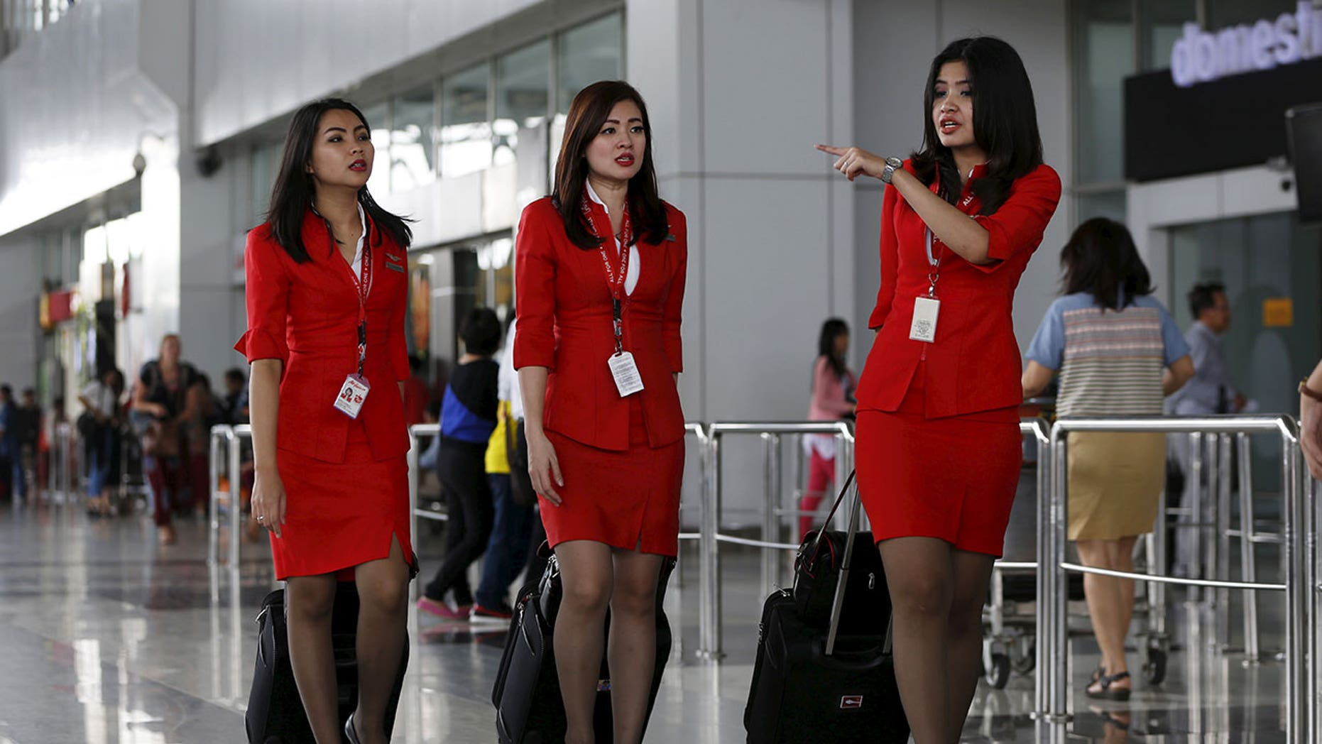 Malaysian senator Hanafi Mamat posted a letter he claims to have received from an AirAsia passenger, who, like him, was unhappy with the uniforms worn by the airline's flight attendants.