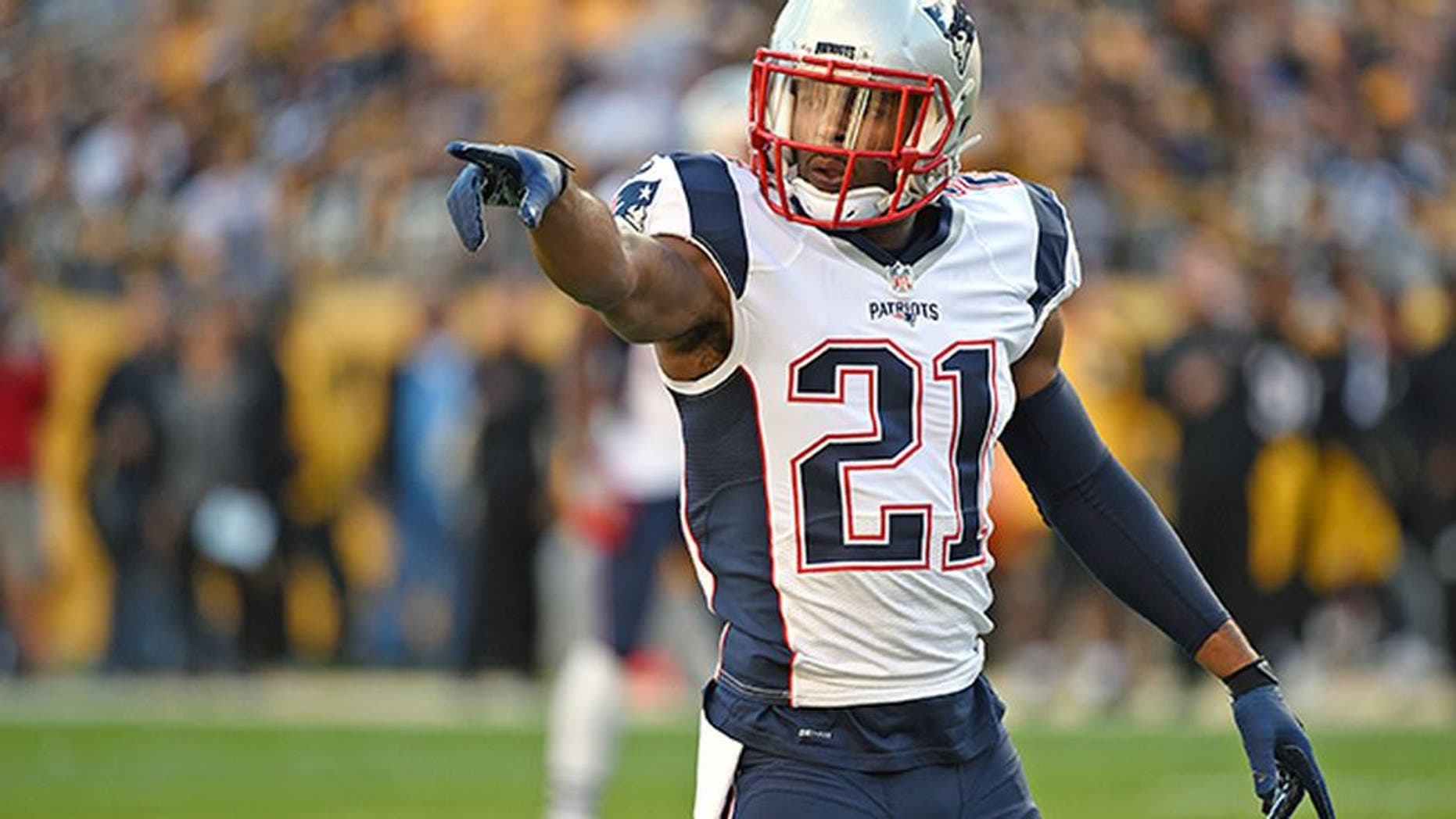 PITTSBURGH, PA - OCTOBER 23: Cornerback Malcolm Butler #21 of the New England Patriots signals during a game against the Pittsburgh Steelers at Heinz Field on October 23, 2016 in Pittsburgh, Pennsylvania. The Patriots defeated the Steelers 27-16. (Photo by George Gojkovich/Getty Images)