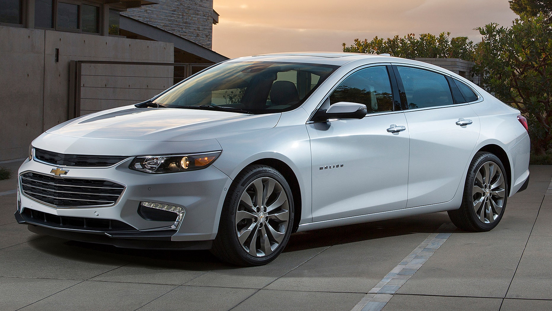 The 2016 Chevrolet Malibu is nearly 300 pounds lighter and has wheelbase thatâs been stretched nearly 4 inches, making it more fuel efficient, more functional and more agile.