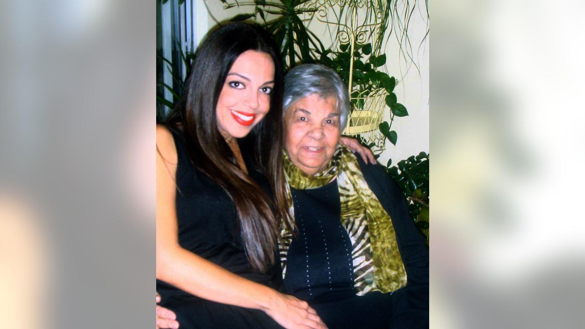 Lisa Daftari (L) and her grandmother.