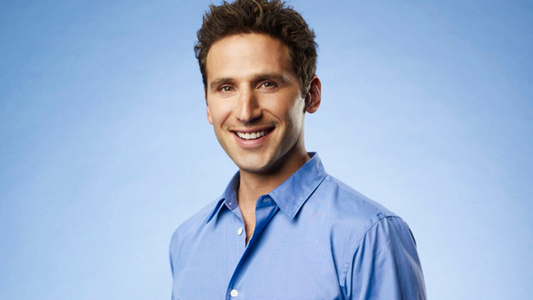 "Mark Feuerstein as Dr. Hank Lawson on ""Royal Pains."""