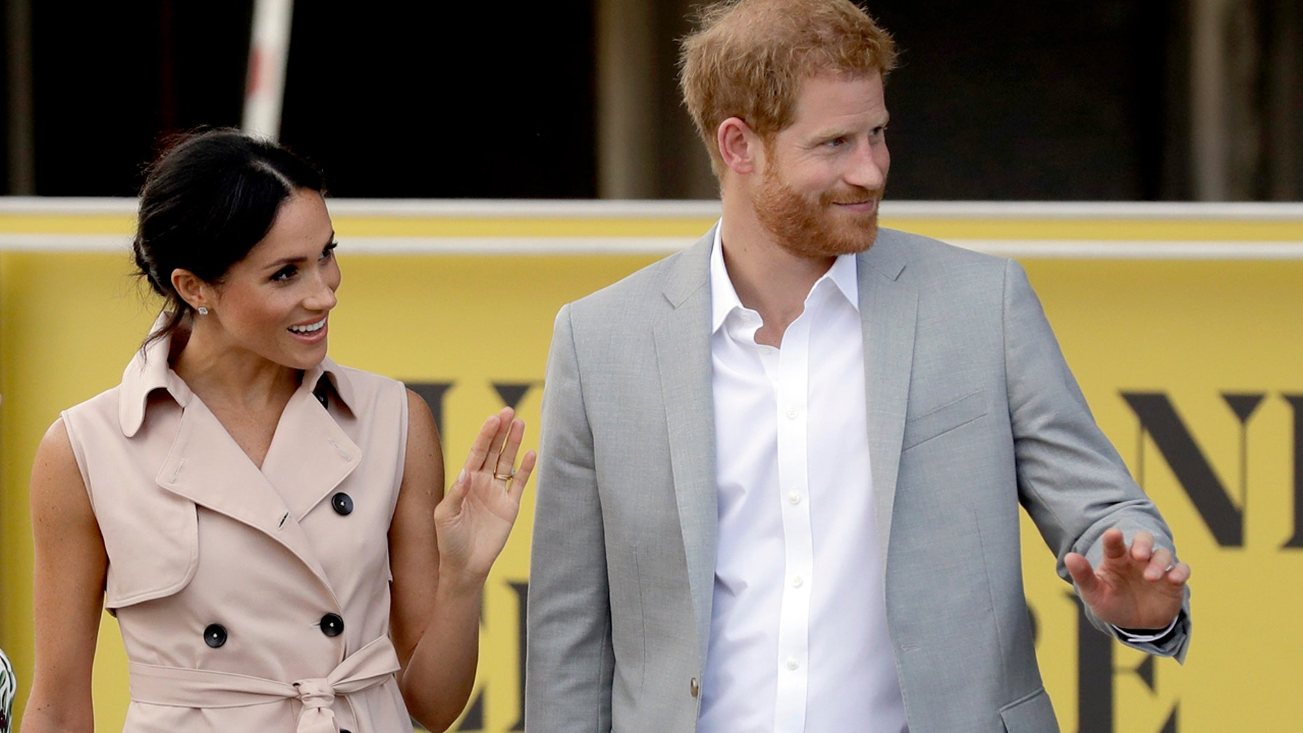 The Duke and Duchess of Sussex were snapped while pay tribute to the Nelson Mandela exhibition in London on Tuesday.