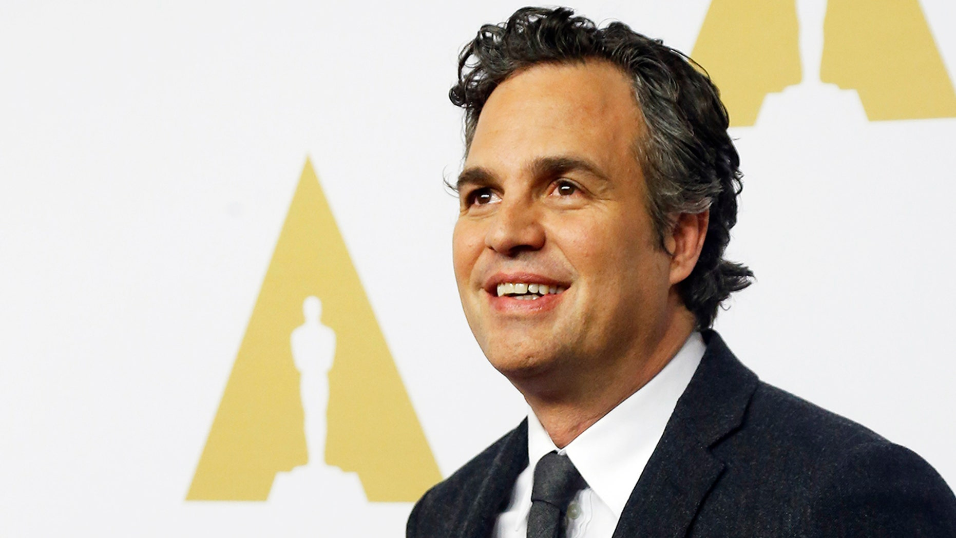 Actor Mark Ruffalo arrives at the 88th Academy Awards nominees luncheon in Beverly Hills, California February 8, 2016.  REUTERS/Mario Anzuoni - TB3EC281LYOVJ