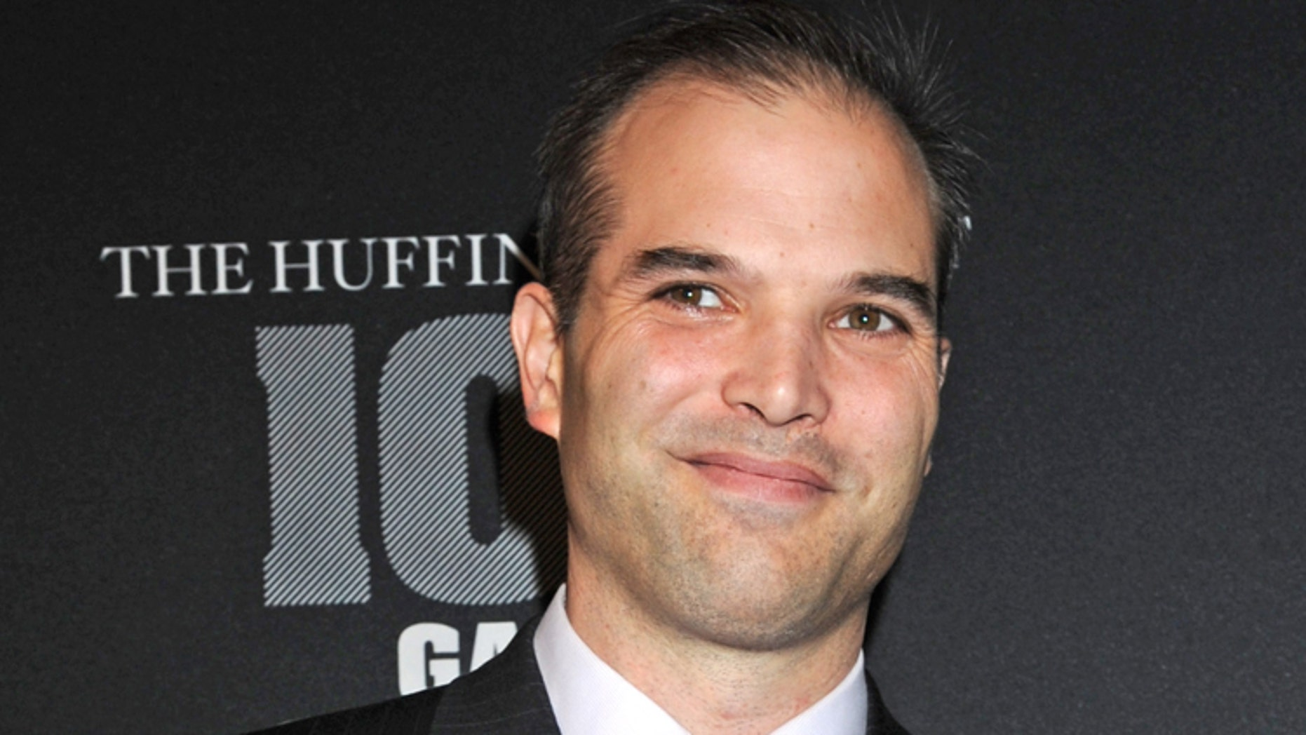 """Journalist Matt Taibbi arrives at the """"Huffington Post 2010 Game Changers Event"""", Thursday, Oct. 28, 2010, in New York. (AP Photo/ Louis Lanzano)"""