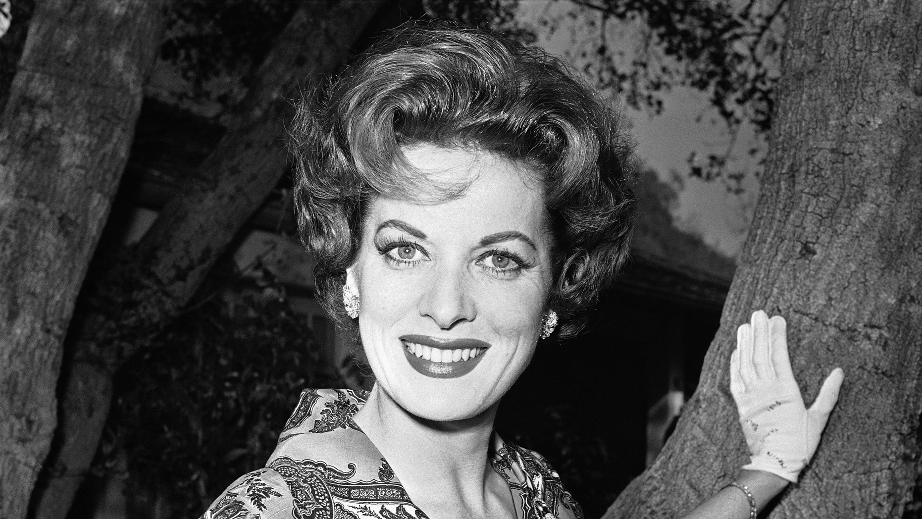 1960. Maureen O'Hara outside her home in Los Angeles.