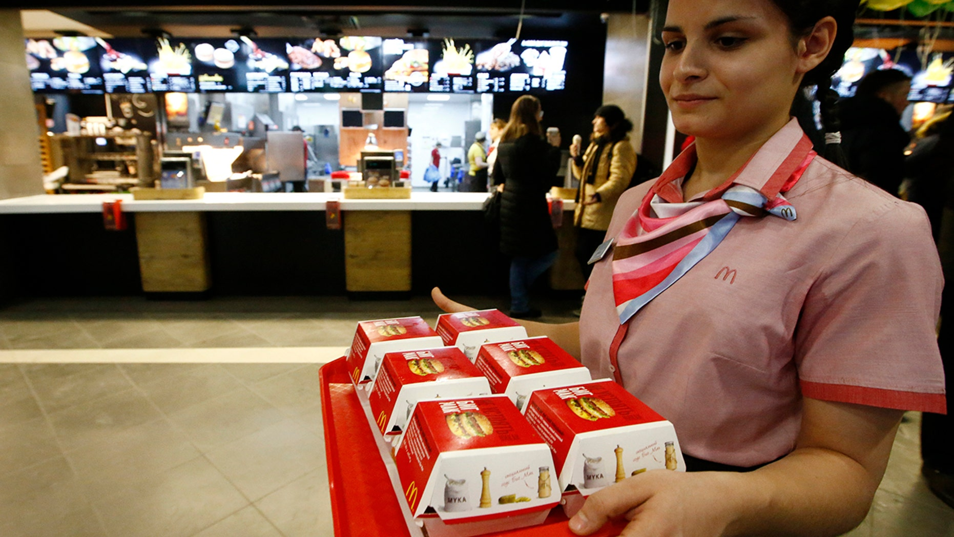 Increasing hostility between Russia and the United States have now expanded to fast food restaurants.