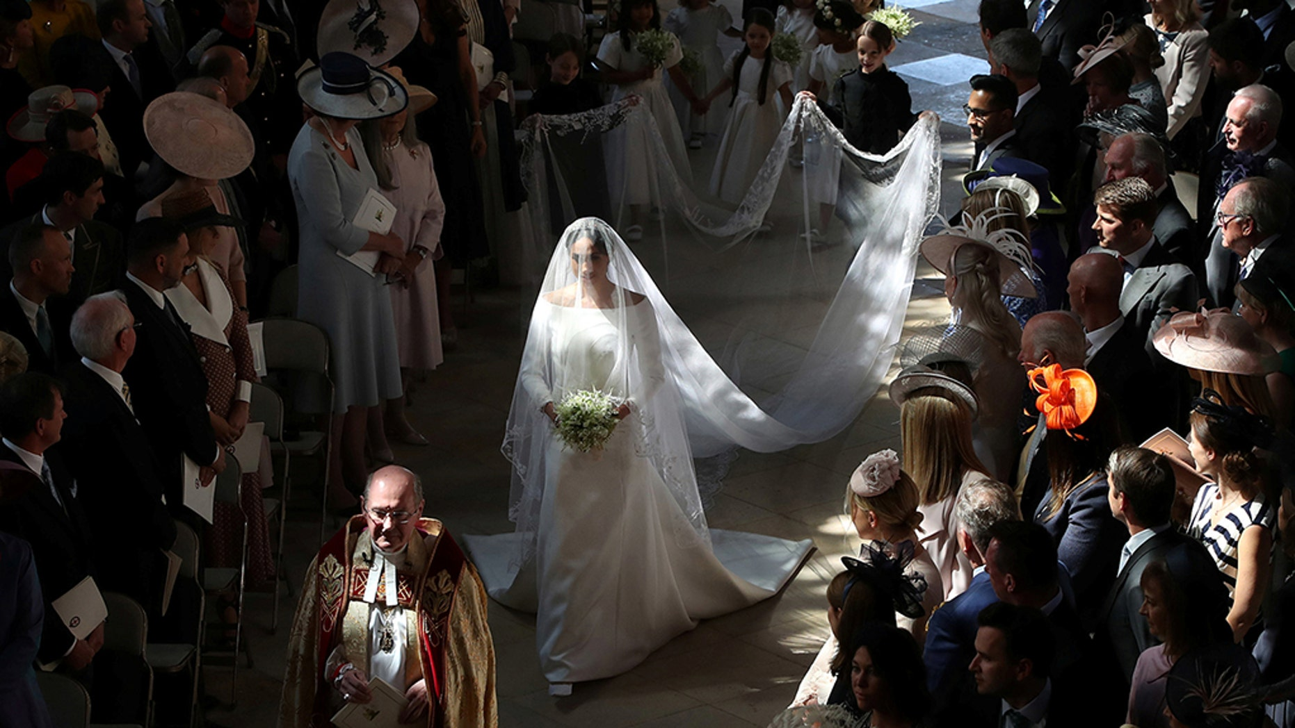 Queen Elizabeth Ii Wedding.Meghan Markle Reacts To Royal Wedding Dress In Queen Elizabeth Ii