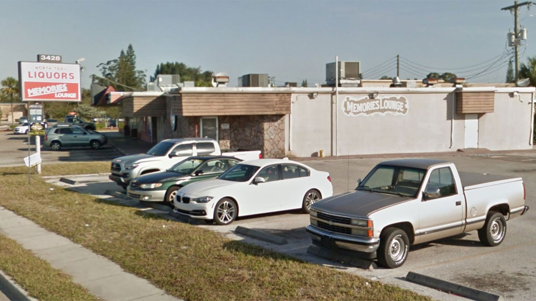 Memories Lounge in Sarasota, Fla., was hit by two very bold thieves.