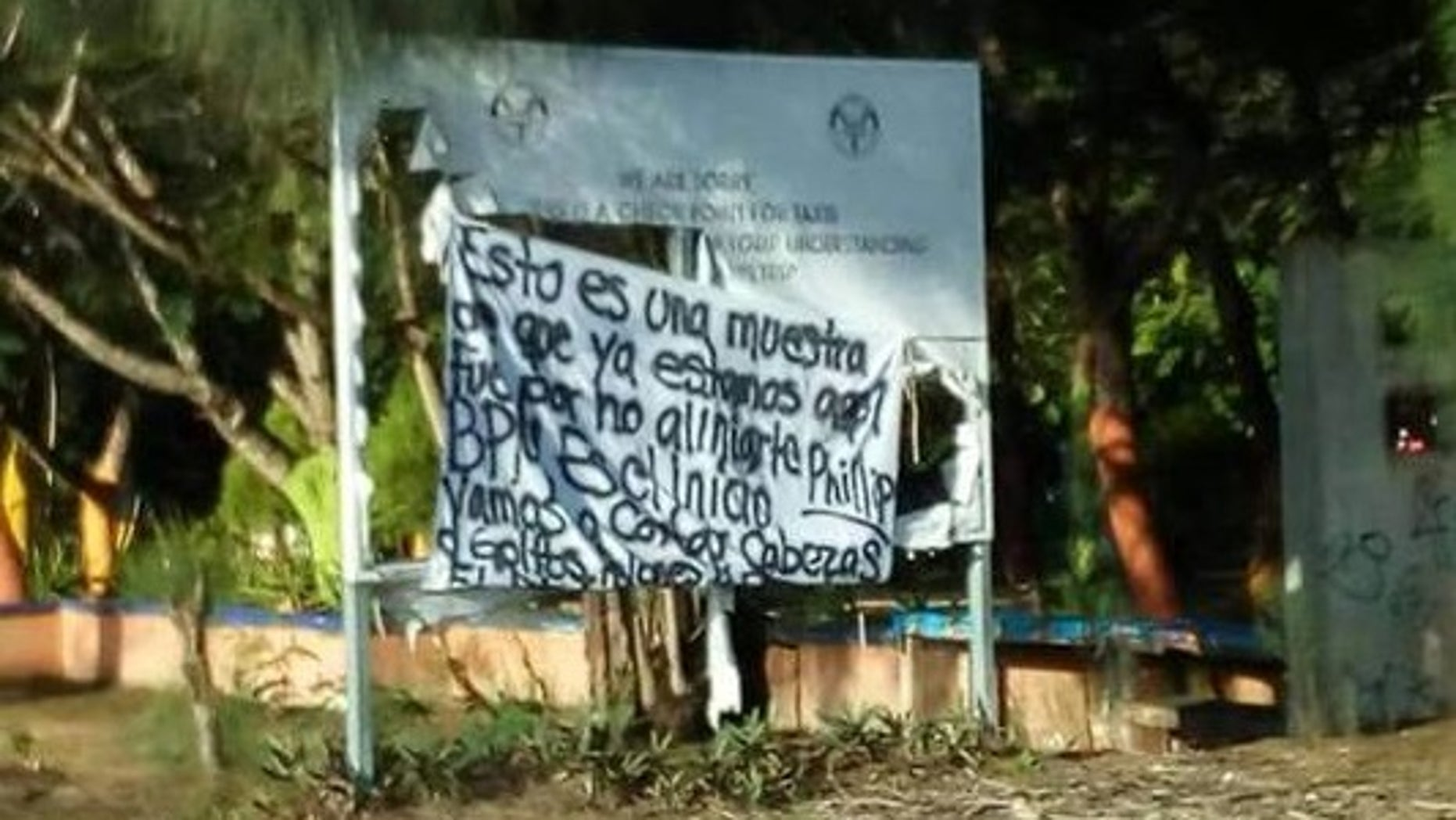 Four separate messages with the same text appeared Tuesday morning in Playa del Carmen.