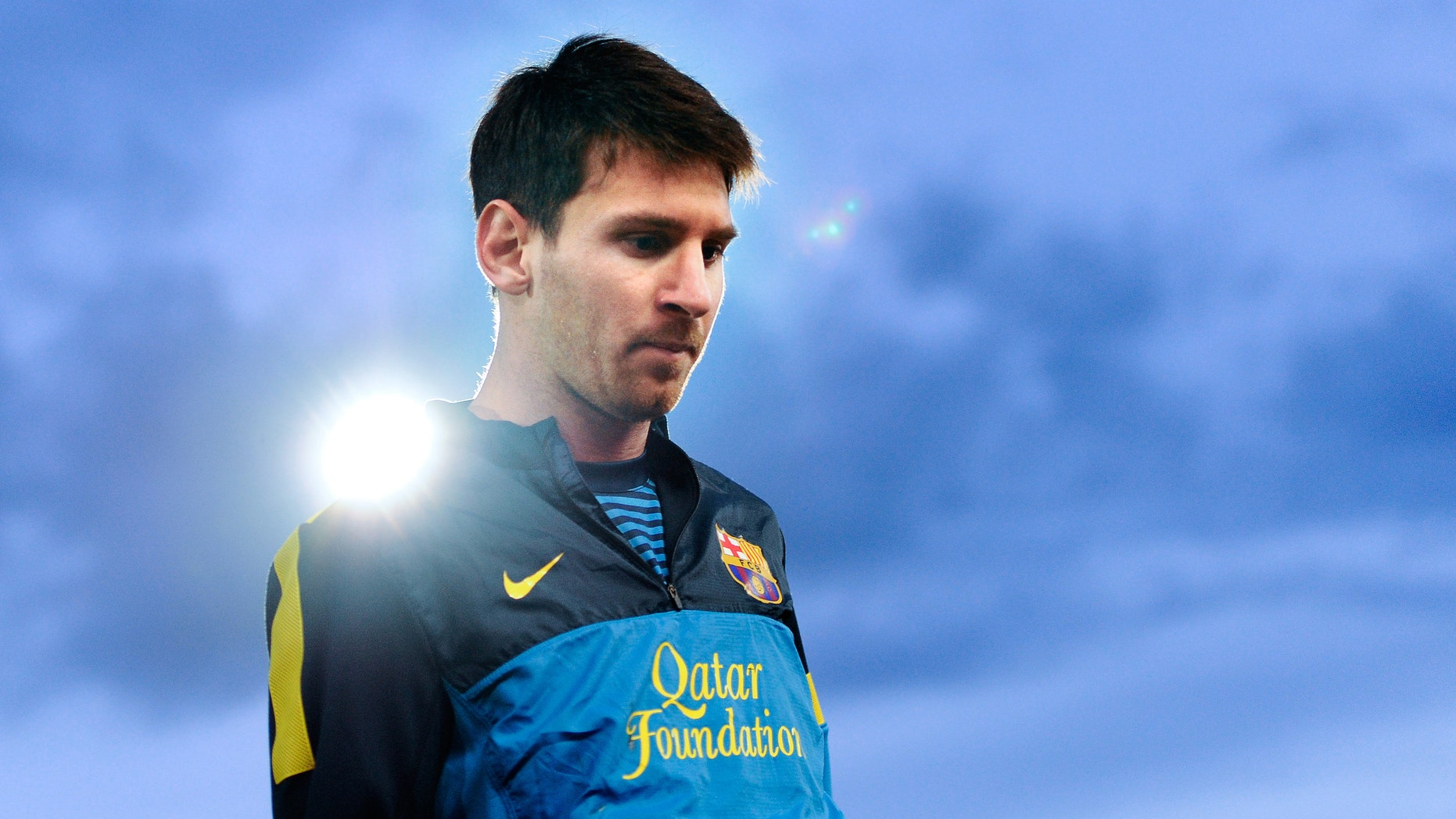 Lionel Messi of FC Barcelona looks on during the warm up prior to the La Liga match between RCD Mallorca and FC Barcelona at Iberostar Stadium on November 11, 2012 in Mallorca, Spain.  (Photo by David Ramos/Getty Images)