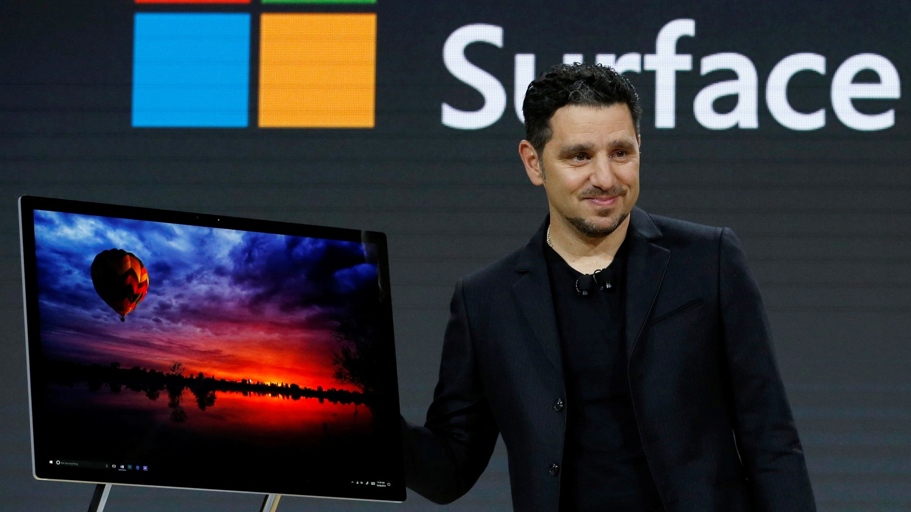 Panos Panay, Corporate Vice President for Surface Computing demonstrates the new Microsoft Surface Studio computer at a live event in the Manhattan borough of New York City, Oct. 26, 2016. (REUTERS/Lucas Jackson)