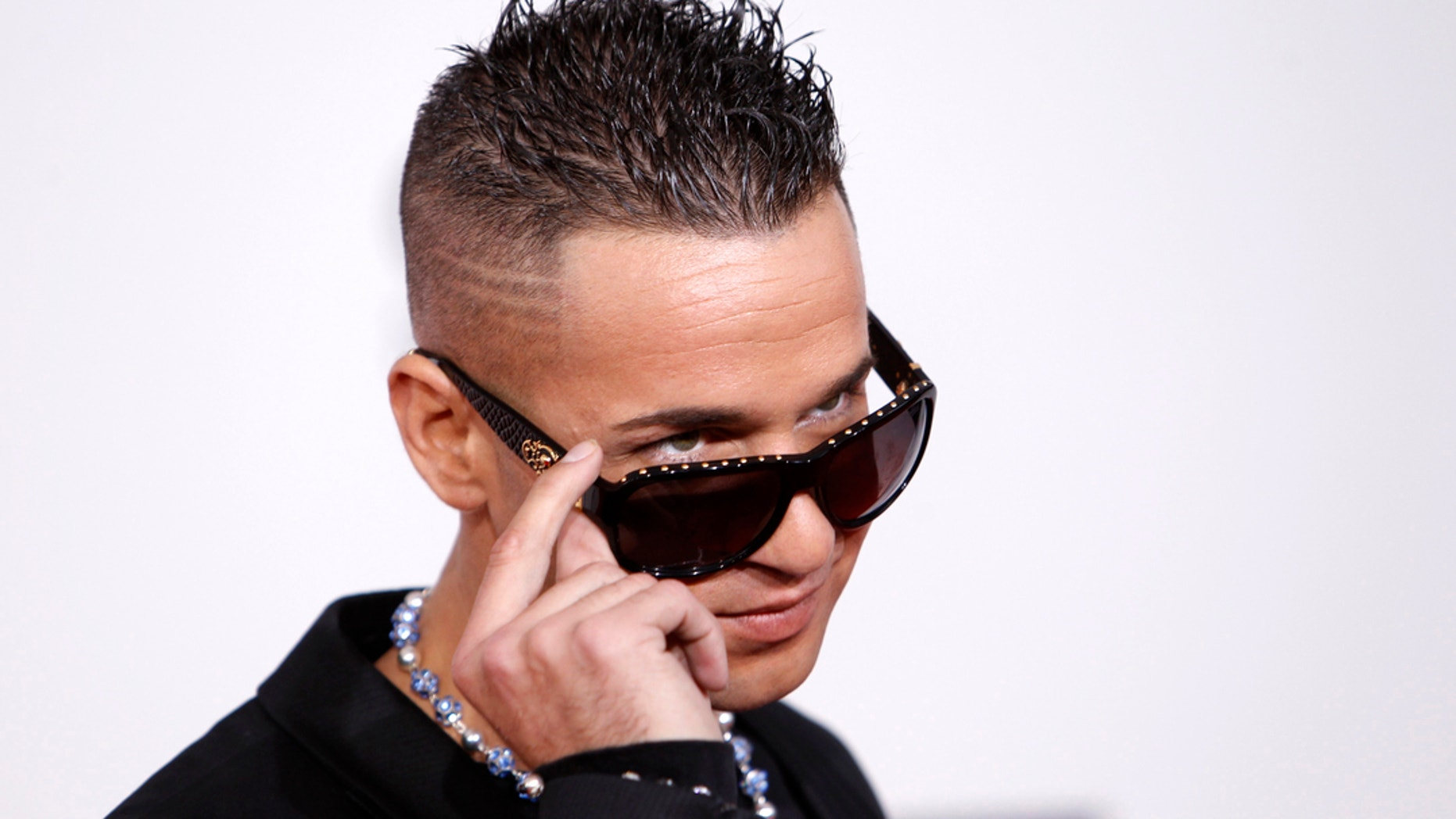 """Jersey Shore"" fans have some questions for MTV producers and the cast after the return of the infamous duck phone."