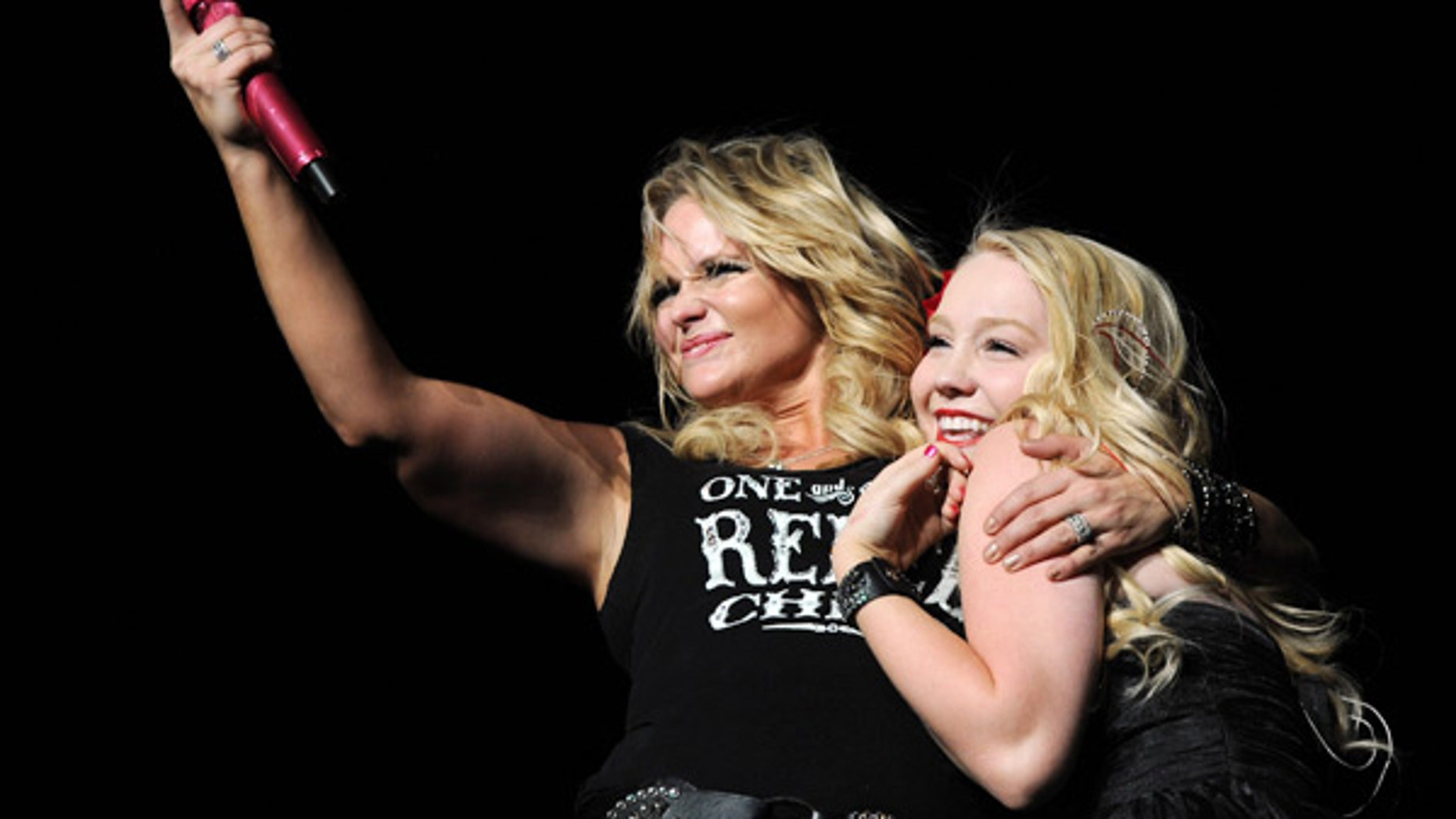 Singers Miranda Lambert (left) and RaeLynn.