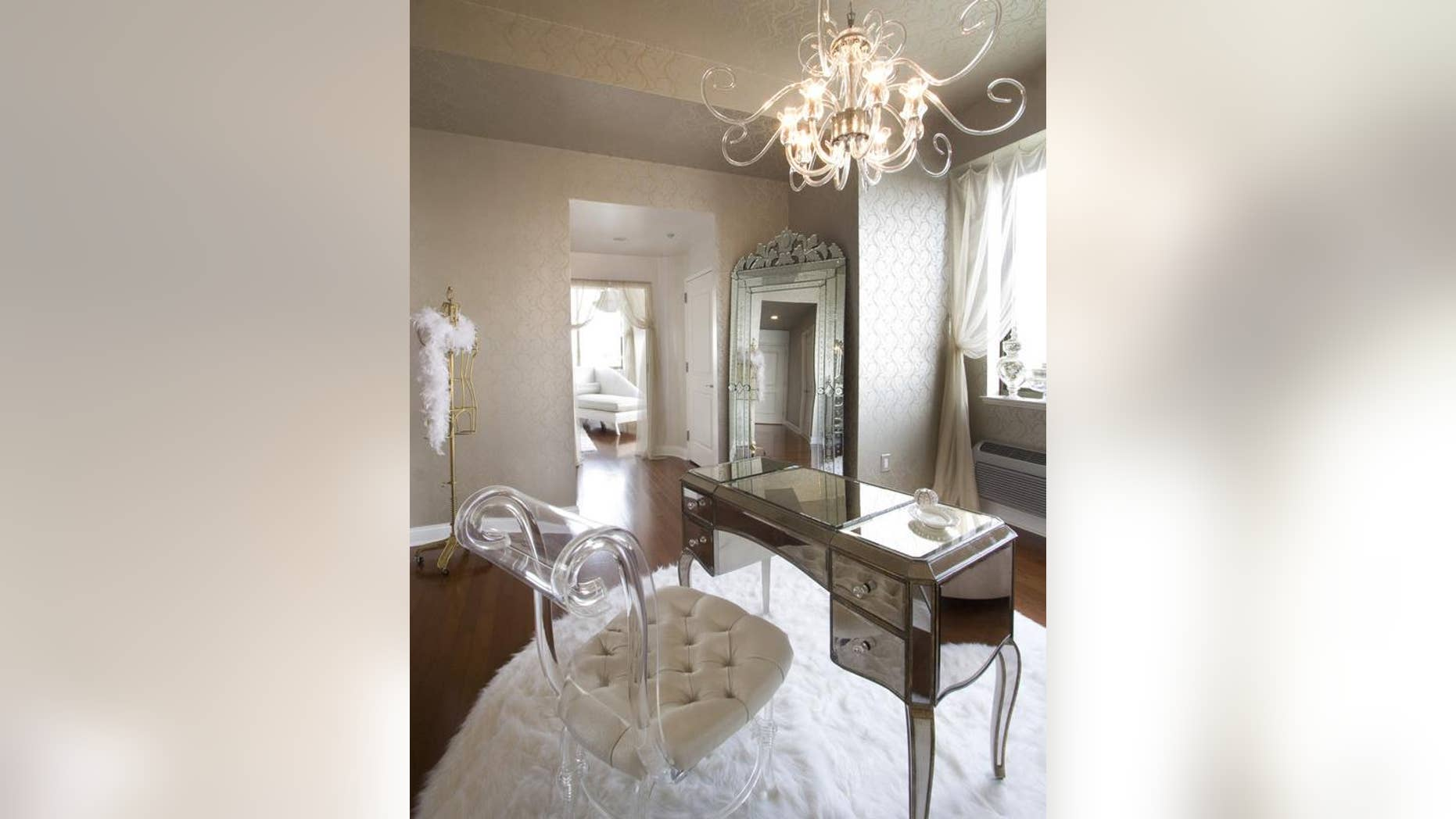The dos and donts of decorating with mirrors