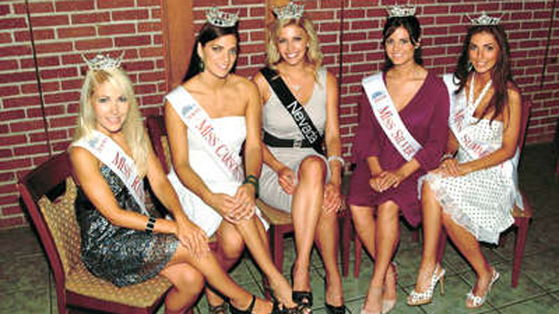 Miss Nevada 2007 Caleche Manos, center, is flanked by beauties aspiring to succeed her. (Nathan Orme, Daily Sparks Tribune).