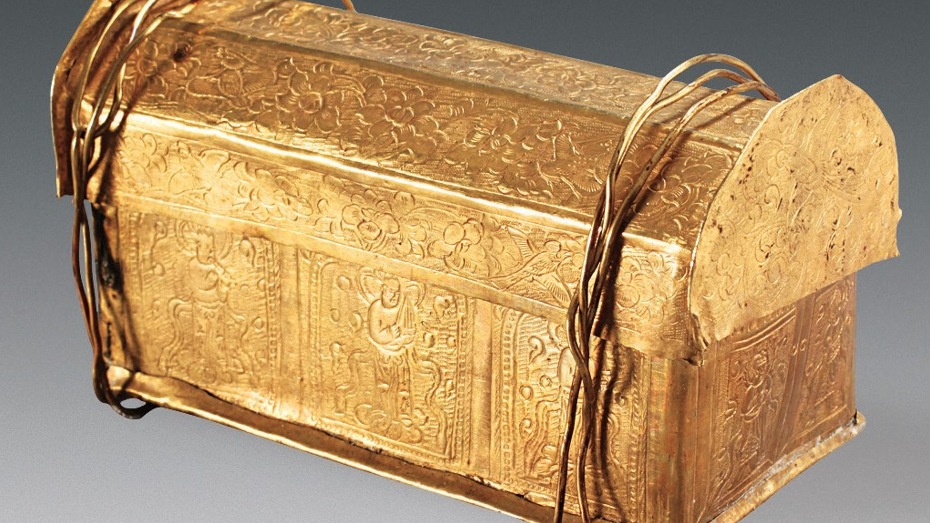 A skull bone of the Buddha was found inside this gold casket, which was stored in a silver casket within the stupa model, found in a crypt beneath a Buddhist temple.