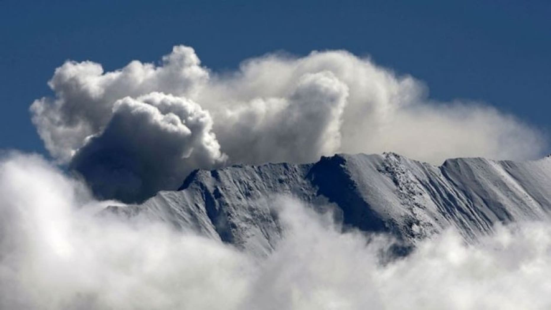 Oct. 10, 2004: Steam vents out of the crater of Mount St. Helens.