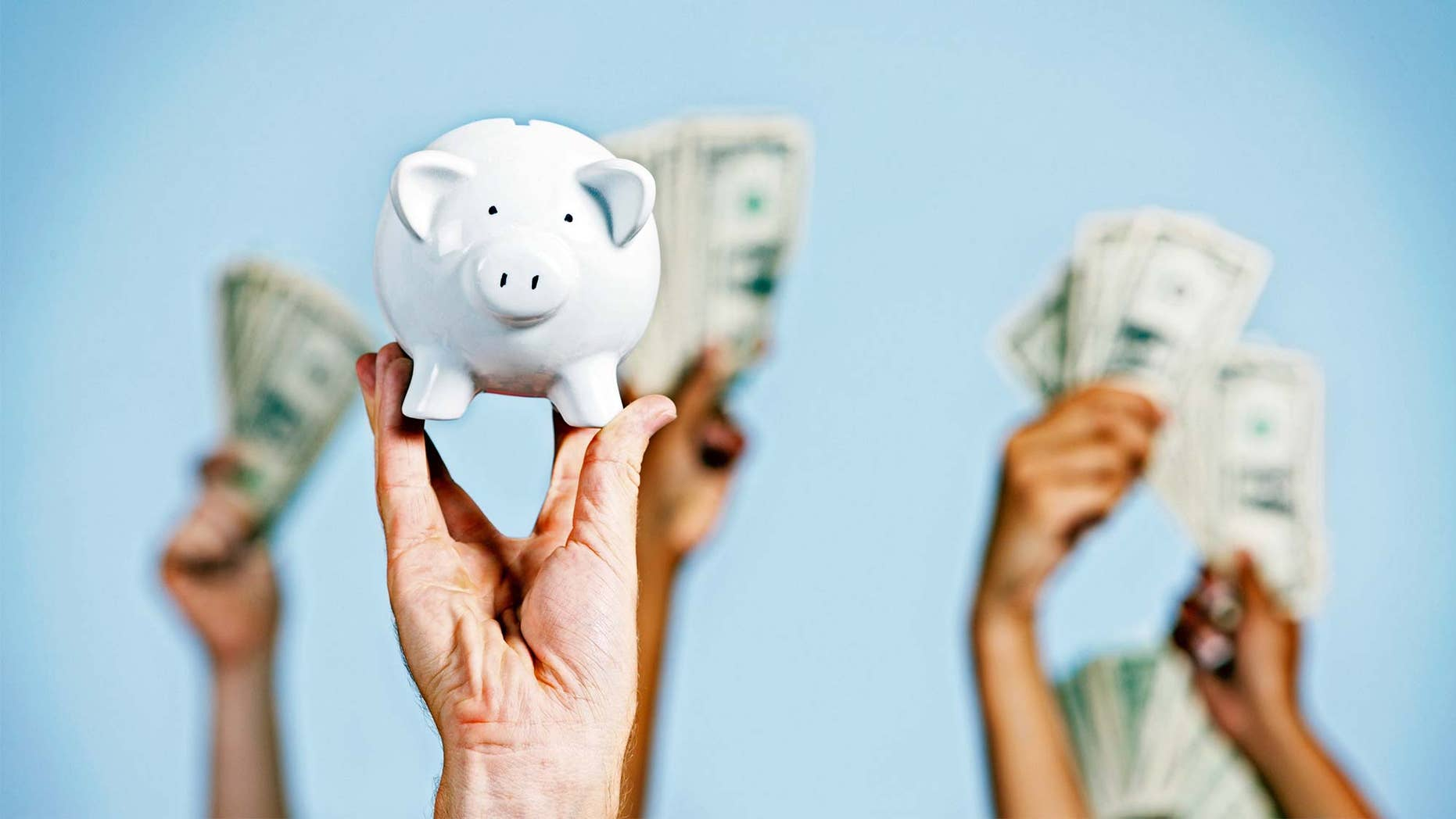 what do multiple offers mean? Hands holding money and piggy bank.