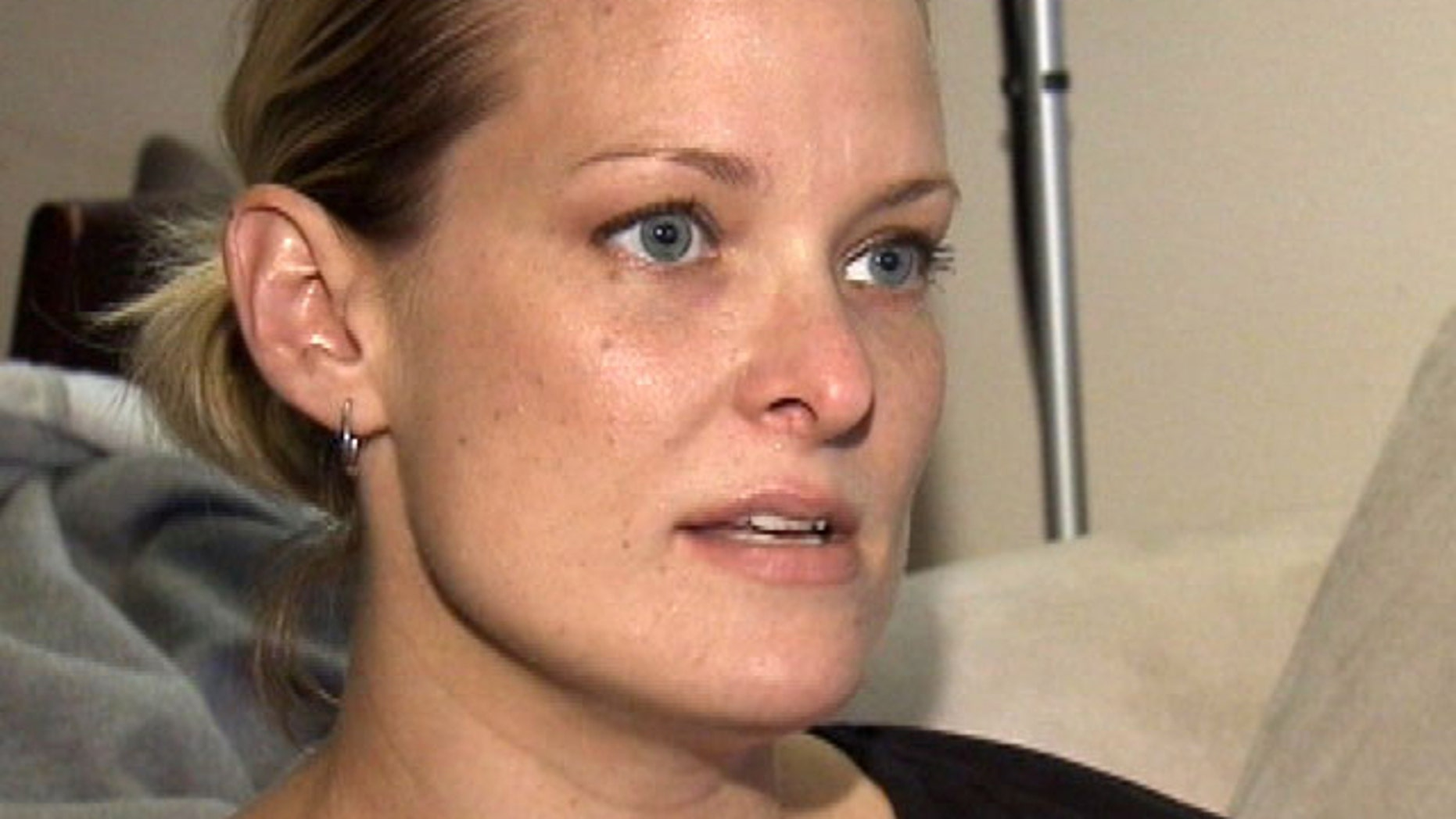 Kati Menoch wanted to sell her wedding rings, but the potential buyer stole them instead.