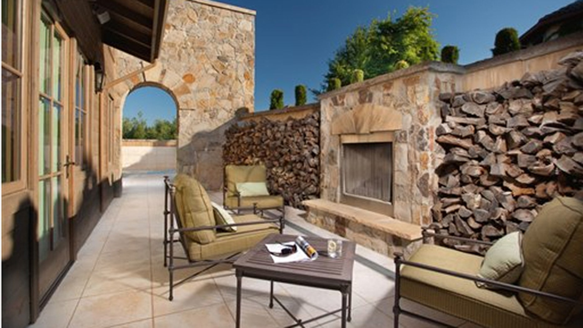 At the Vintage Estate in Napa Valley, the Men's Lounge at Spa Villagio is designed for ultimate privacy and comfort.