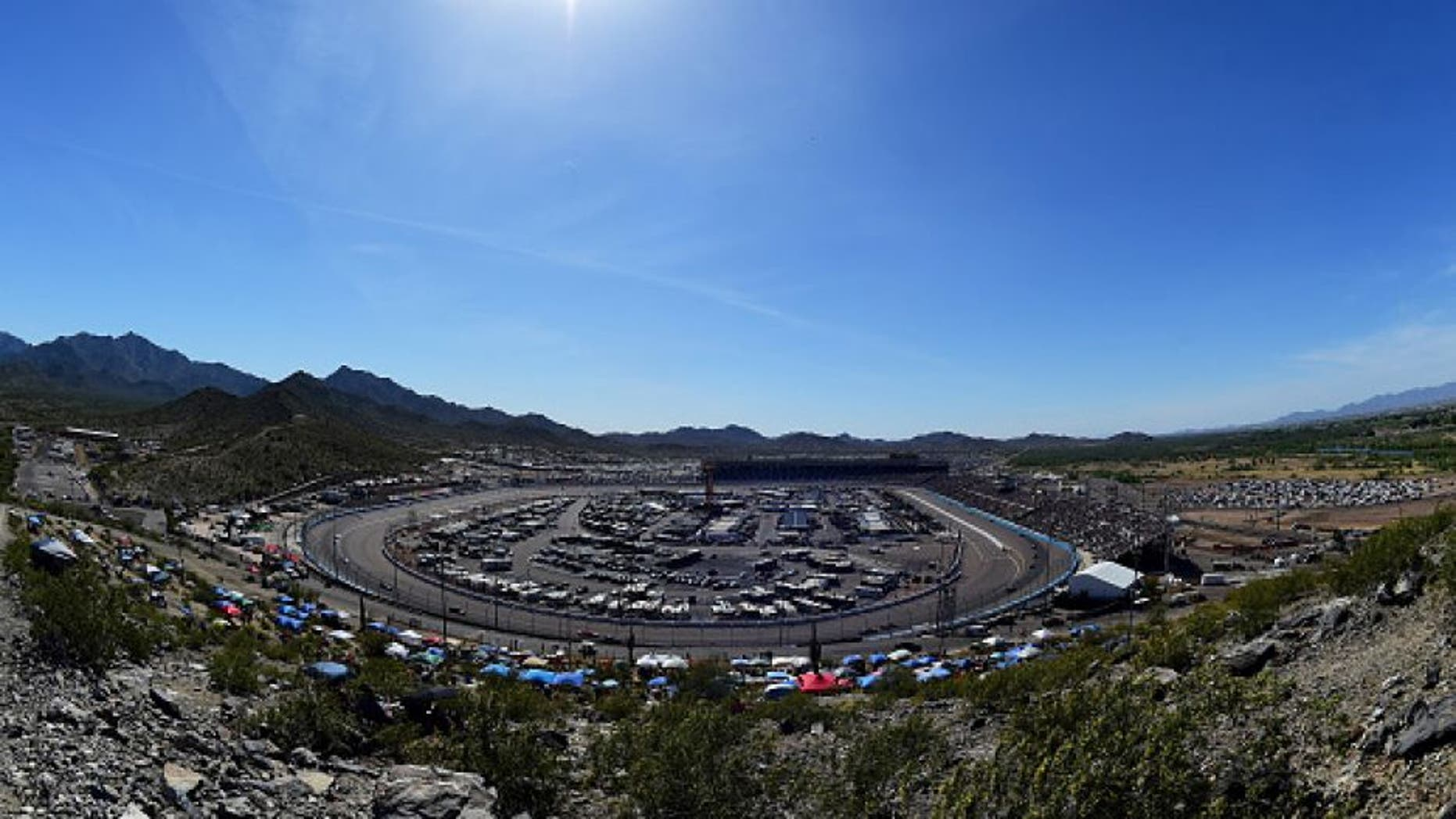 AVONDALE, AZ - MARCH 13: A view of race action during the NASCAR Sprint Cup Series Good Sam 500 at Phoenix International Raceway on March 13, 2016 in Avondale, Arizona. (Photo by Jared C. Tilton/Getty Images)