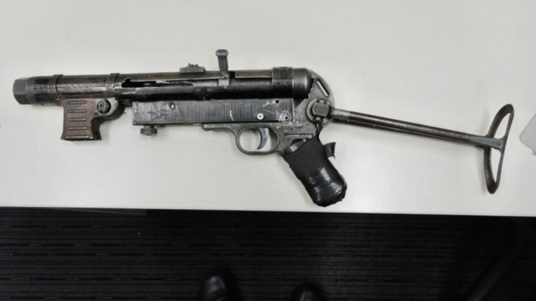 New South Wales police released a photo of the MP40 submachine gun