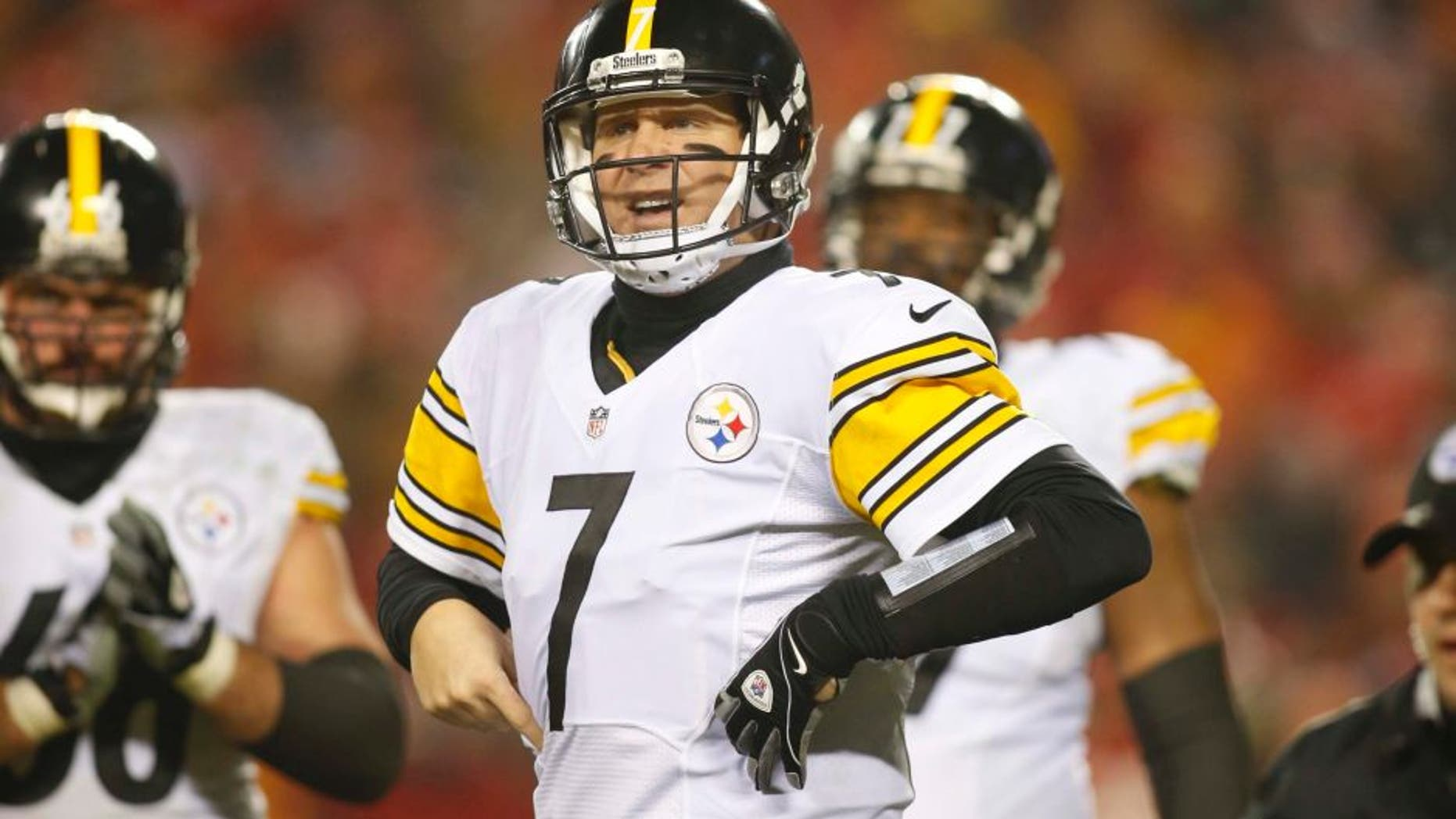 Jan 15, 2017; Kansas City, MO, USA; Pittsburgh Steelers quarterback Ben Roethlisberger (7) motions during the second quarter against the Kansas City Chiefs in the AFC Divisional playoff game at Arrowhead Stadium. Mandatory Credit: Jay Biggerstaff-USA TODAY Sports