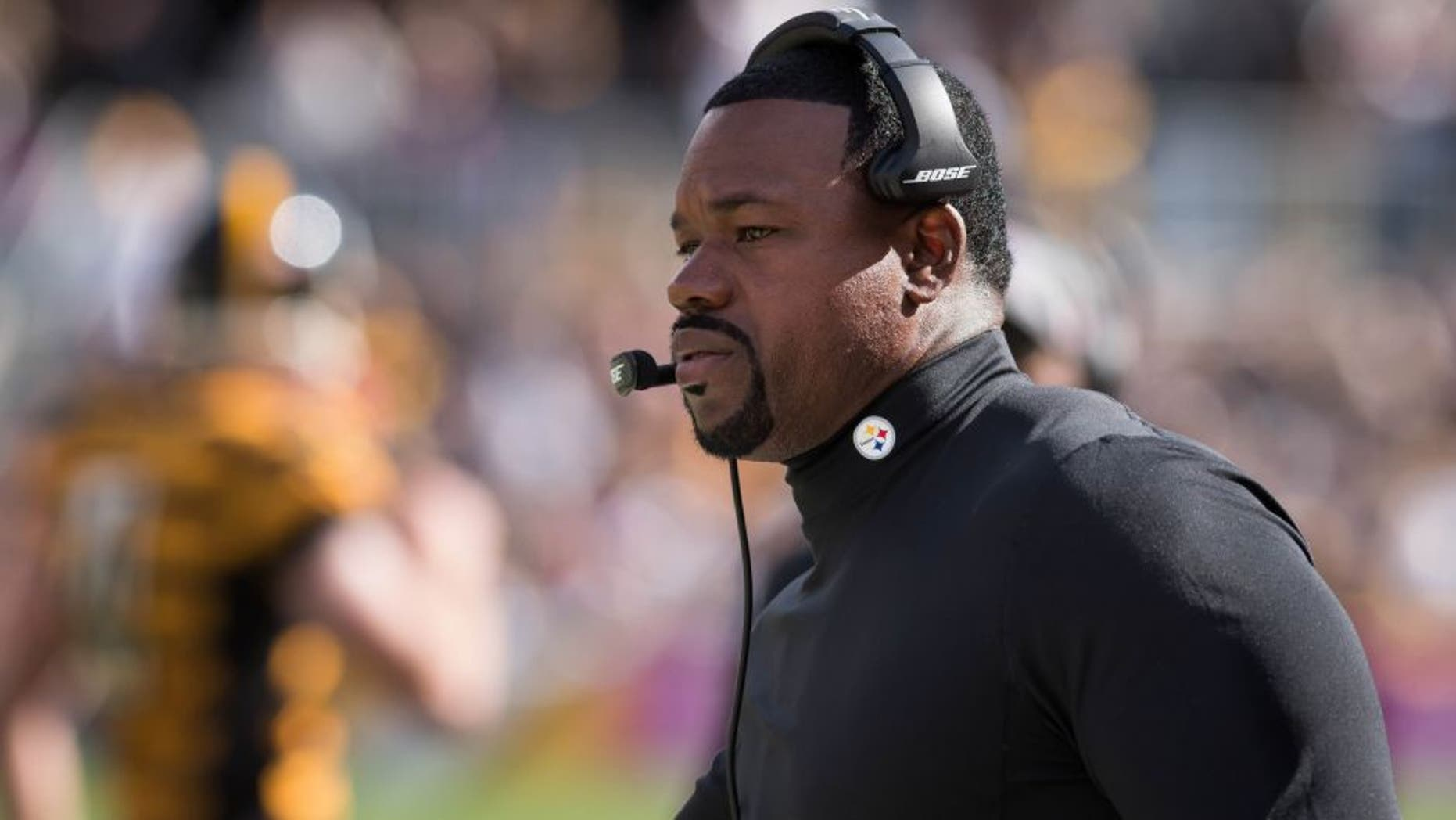 Oct 9, 2016; Pittsburgh, PA, USA; Pittsburgh Steelers linebacker coach Joey Porter on the sideline during the third quarter of a game against the New York Jets at Heinz Field. Pittsburgh won 31-13. Mandatory Credit: Mark Konezny-USA TODAY Sports