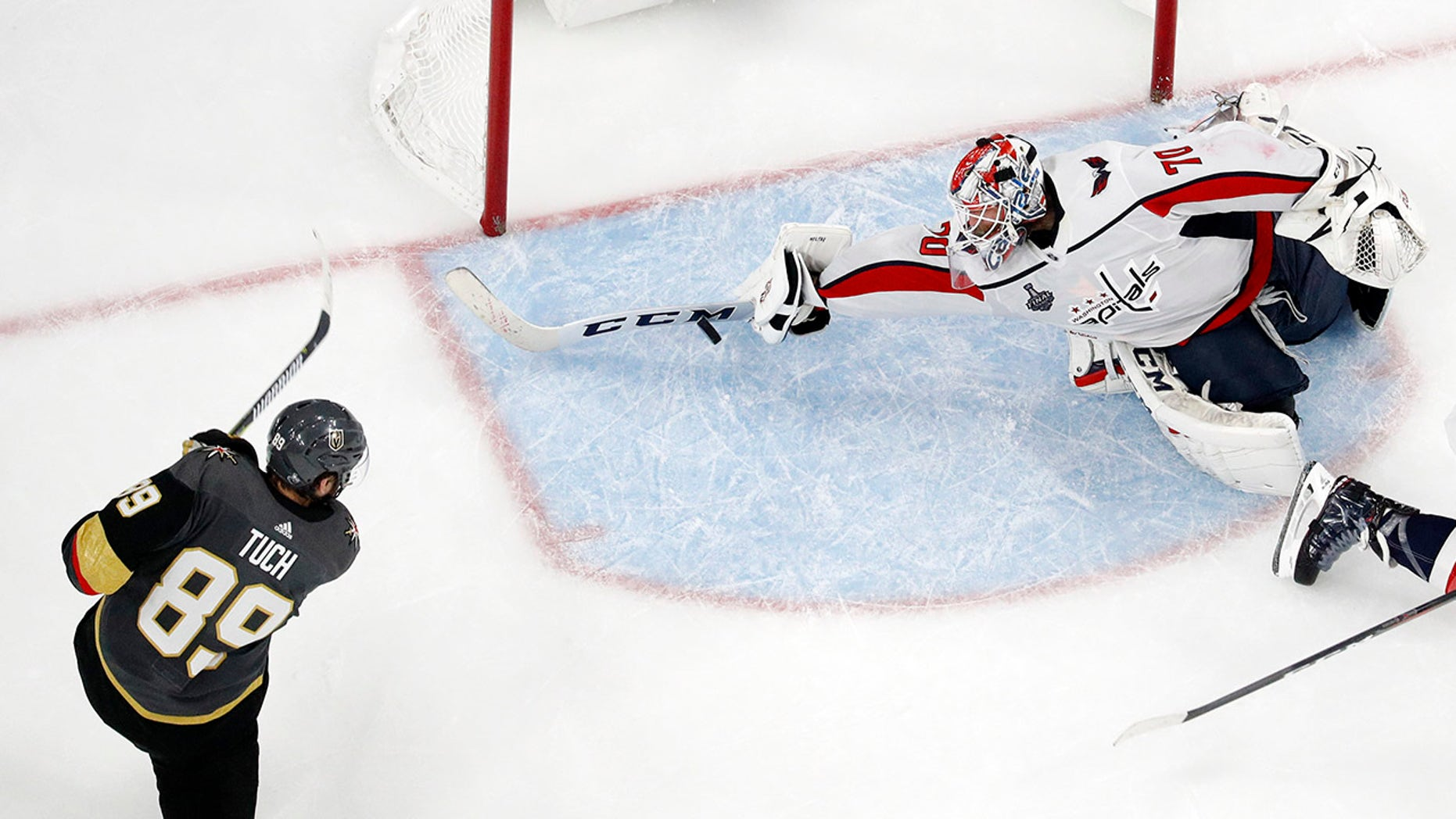 Braden Holtby's save capped off the Washington Capitals' Game 2 win Wednesday.