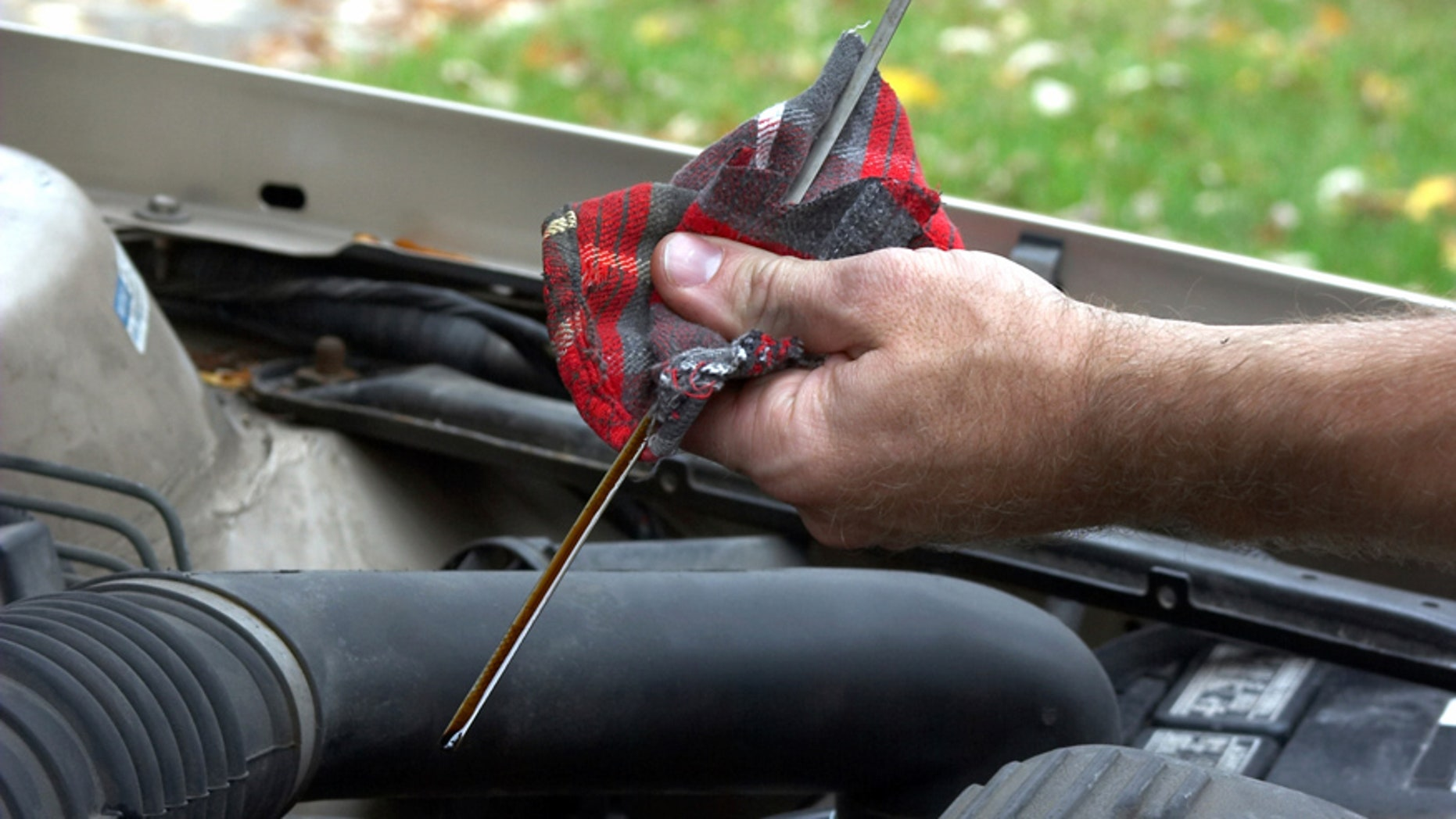 How to check your oil | Fox News