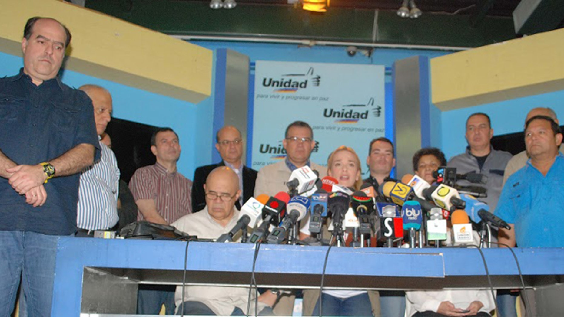 The Democratic Unity Roundtable held a news conference on Wednesday in which members of more than 20 political parties participated. (Photo: Antonio Rodriguez/courtesy of Voluntad Popular)