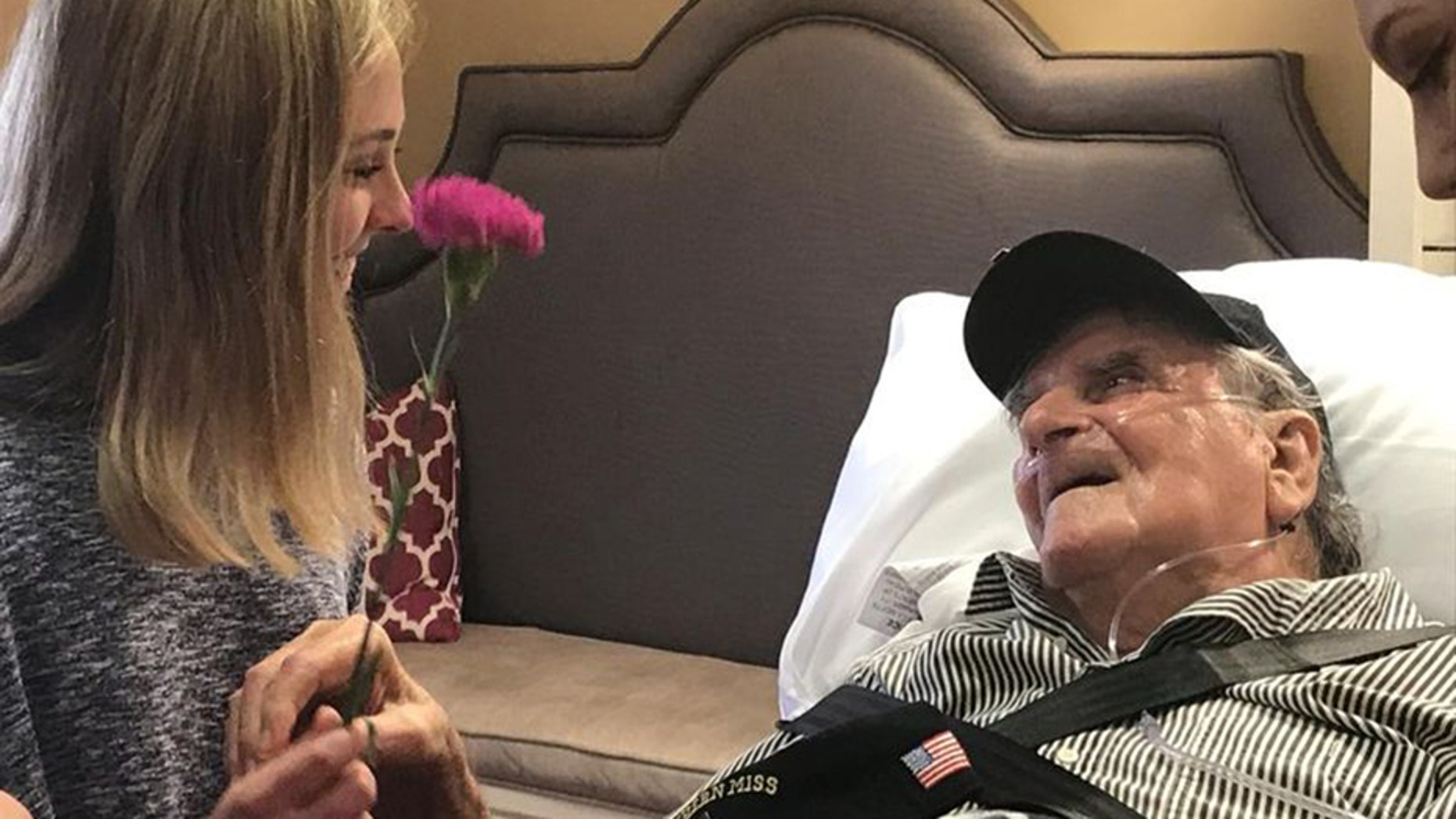 The sisters of Phi Mu Sorority at the University of Southern Miss granted a final wish of 92-year-old Navy veteran Paul Sonnier to dance with a beautiful woman.
