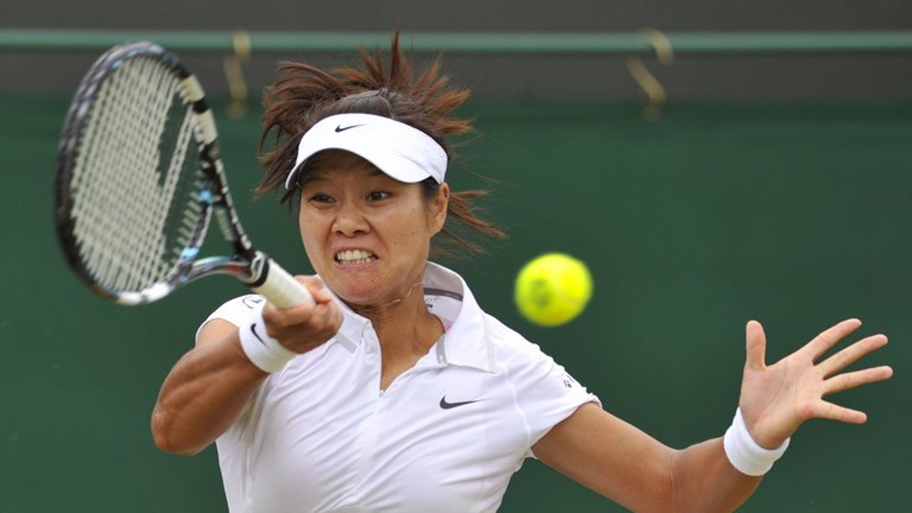 Li Na makes a return against Roberta Vinci at Wimbledon on Monday. The Chinese sixth seed raced into the Wimbledon quarter-finals with a 6-2, 6-0 demolition of Italian 11th seed Vinci.
