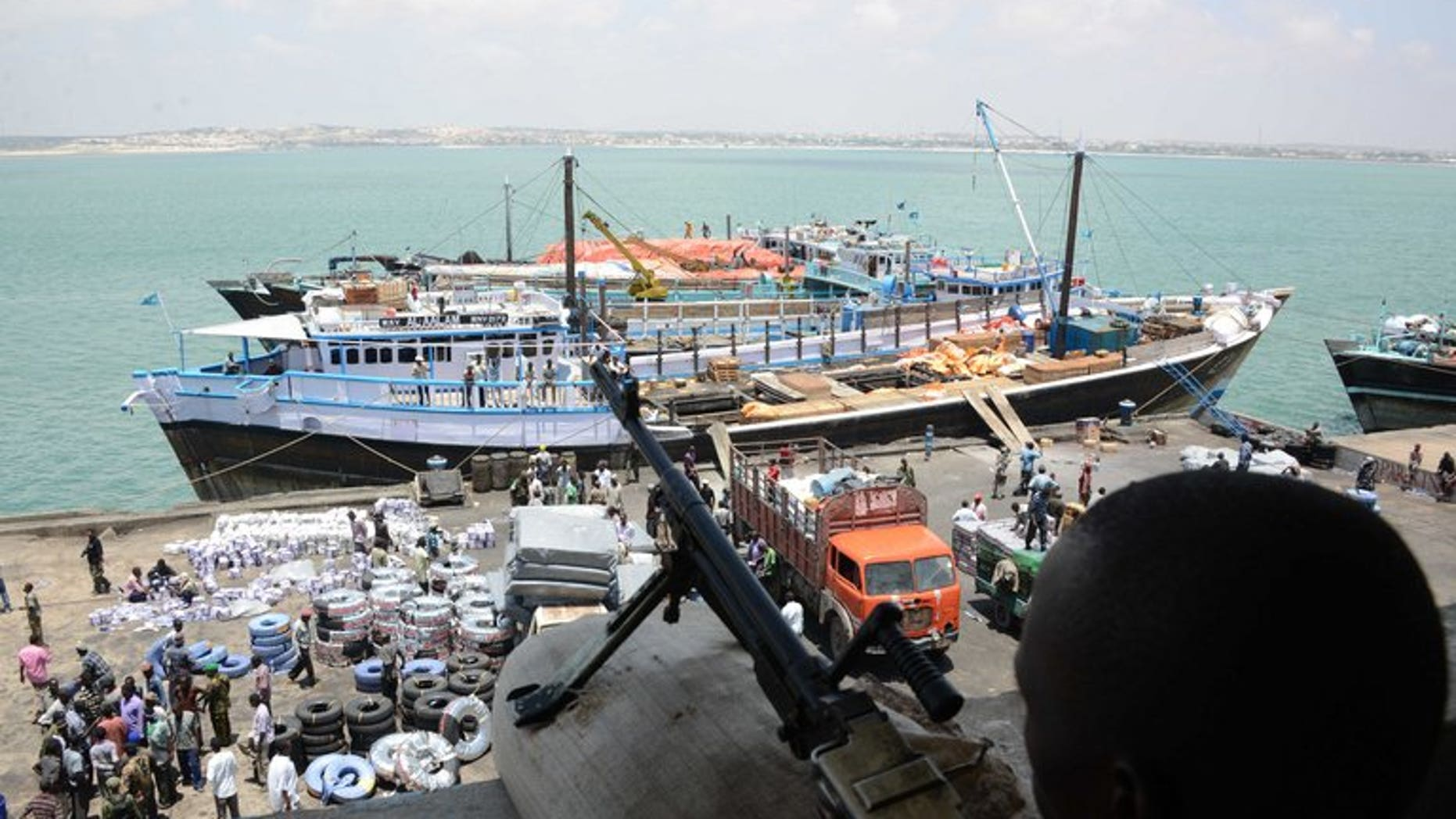 More than 70 killed in warlords' battle for Somali port: UN