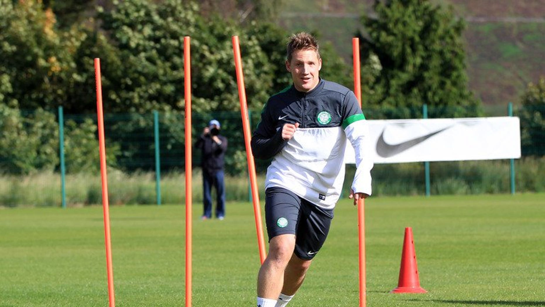Celtic's Scottish midfielder Kris Commons takes part in a training session in Glascow on September 18, 2012. Celtic maintained their winning start to the new Scottish Premiership season with a 2-0 victory against 10-man Aberdeen on Saturday.