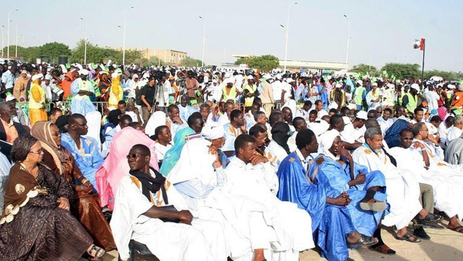 Thousands of supporters of the Mauritanian opposition attend a meeting in Nouakchott on June 23, 2013. Mauritania announced a six-week postponement of its October 12 elections on Thursday after a coalition of opposition parties said it would boycott in a bid to cause the vote to fail.