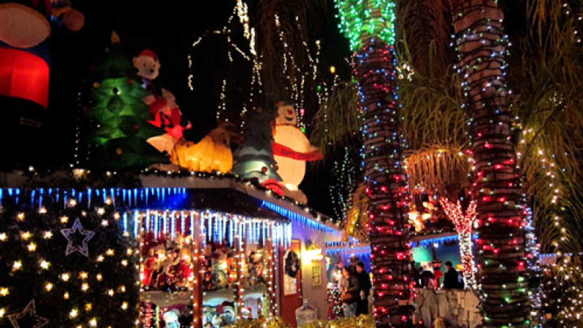 Christmas light display before it was taken down due to a Phoenix crackdown.