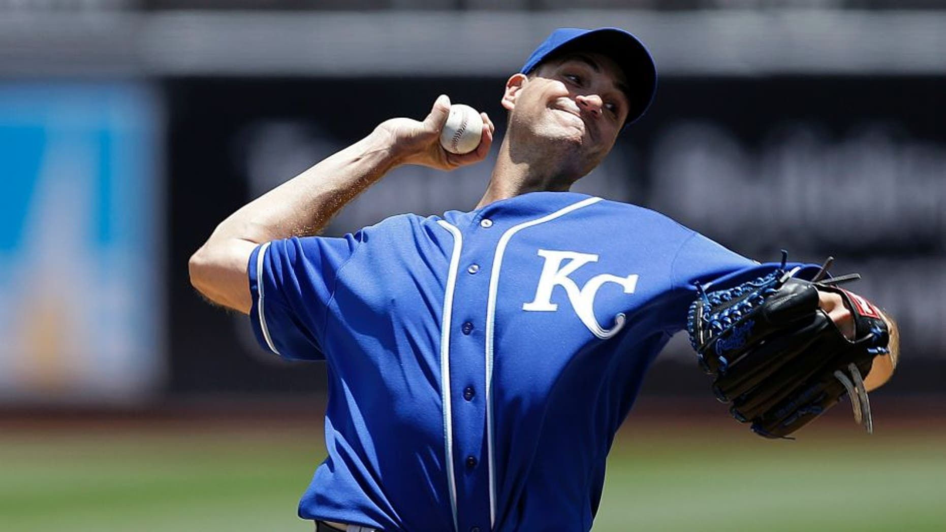 Kansas City Royals pitcher Chris Young works against the Oakland Athletics in the first inning of a baseball game Saturday, June 27, 2015, in Oakland, Calif. (AP Photo/Ben Margot)