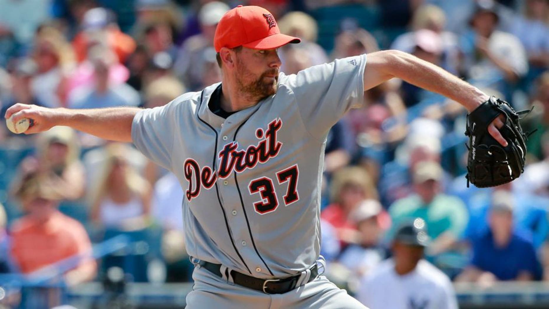 Mar 2, 2016; Tampa, FL, USA; Detroit Tigers starting pitcher Mike Pelfrey (37) throws a pitch during the first inning against the New York Yankees at George M. Steinbrenner Field. Mandatory Credit: Kim Klement-USA TODAY Sports