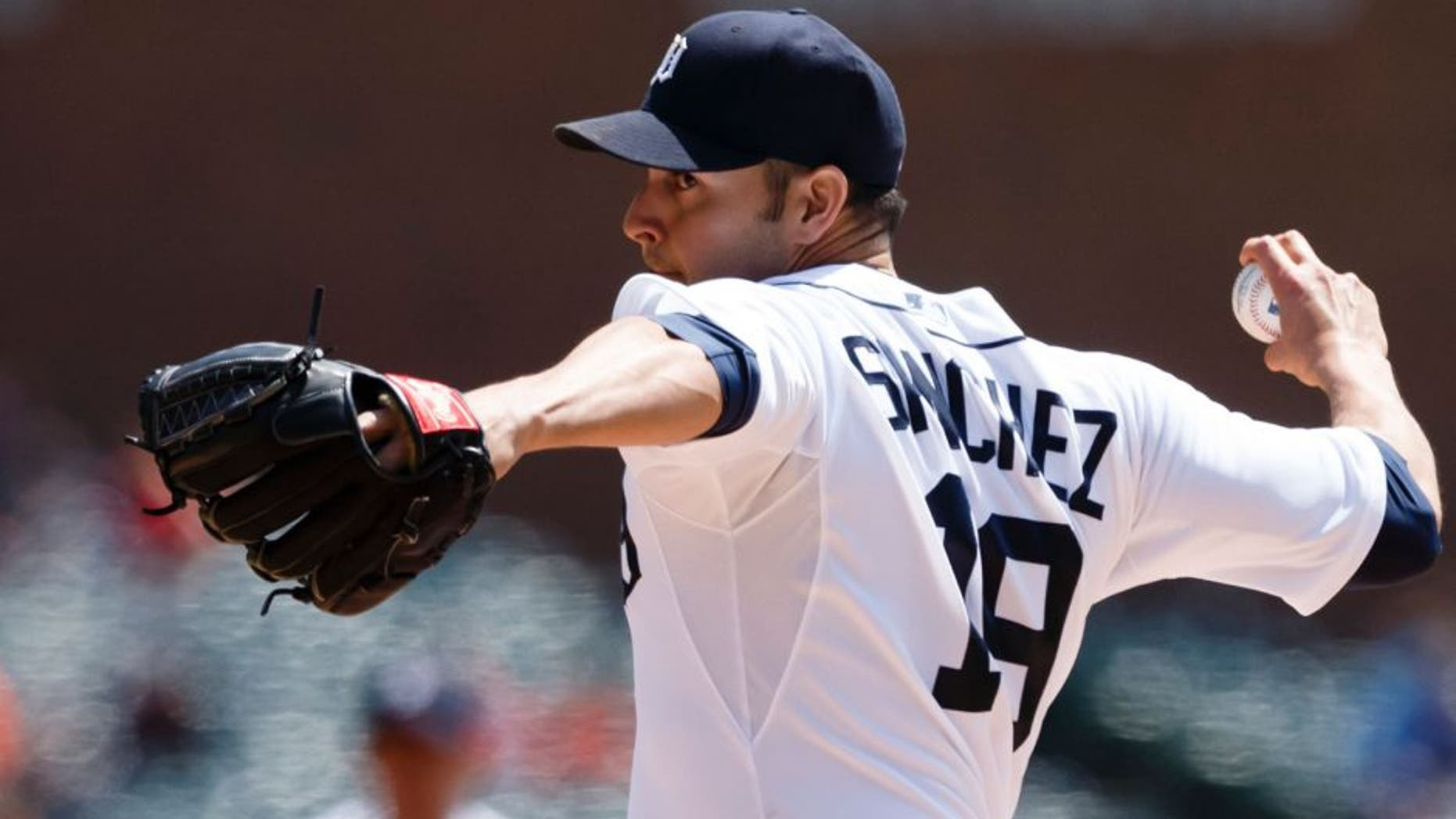 May 14, 2015; Detroit, MI, USA; Detroit Tigers starting pitcher Anibal Sanchez (19) pitches in the first inning against the Minnesota Twins at Comerica Park. Mandatory Credit: Rick Osentoski-USA TODAY Sports