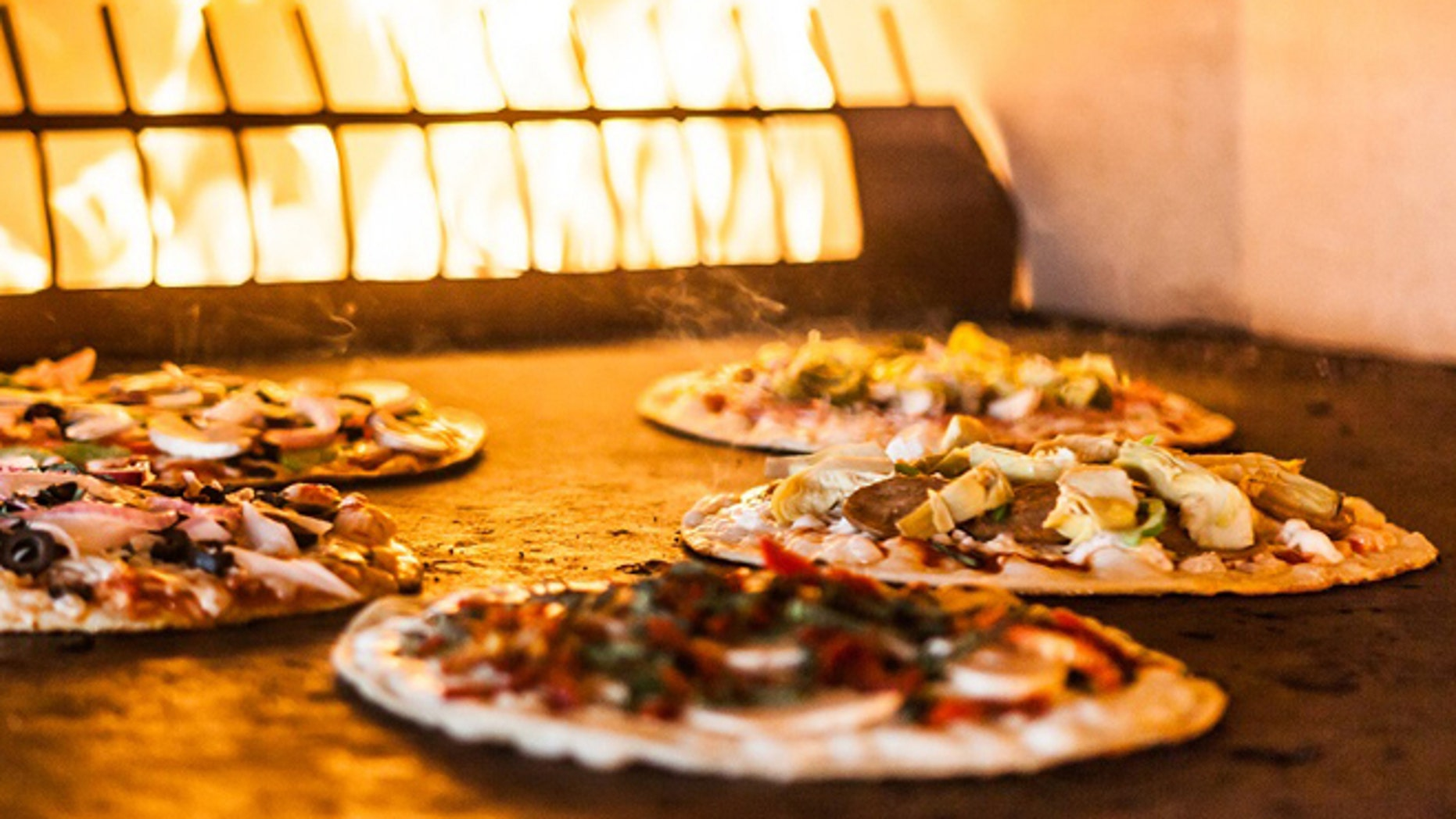 These artisanal  pizza parlors can get customers personal pizza within 10 minutes.