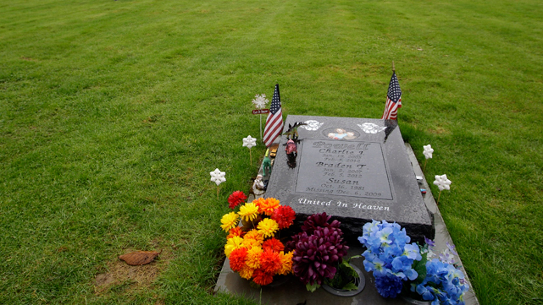 Dec. 3, 2012: The gravesite of Charlie and Braden Powell, who were killed by their father, Josh Powell, before taking his own life earlier in 2012 during an investigation into the disappearance of Josh's wife, Susan, is shown at Woodbine Cemetery in Puyallup, Wash. (AP)