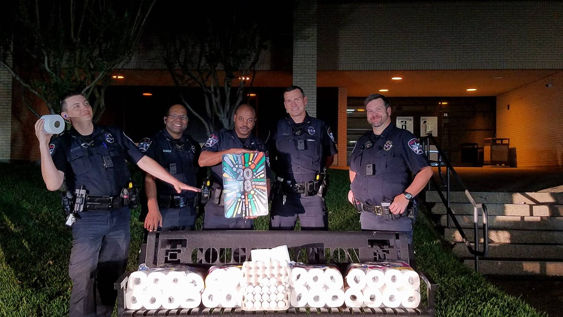Police in The Colony, Texas, have offered their thanks to three students over a botched prank.