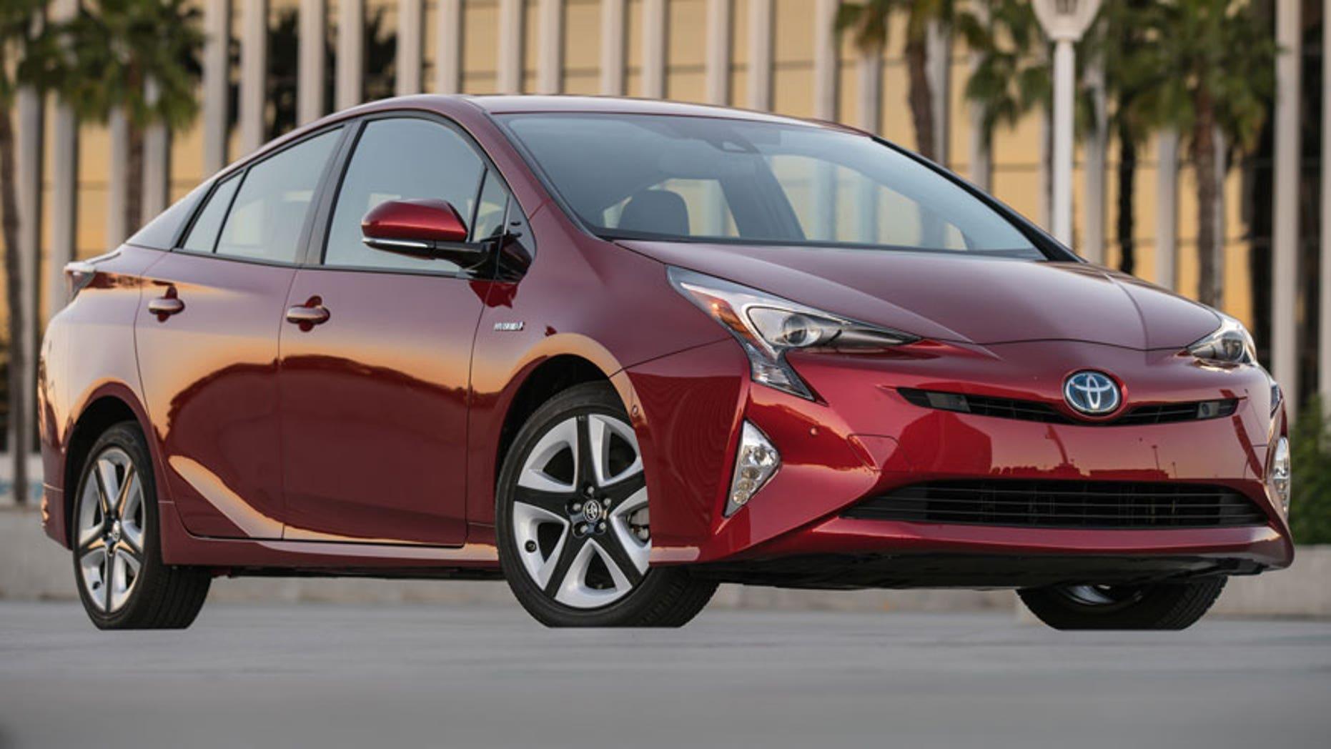 Toyota Recalls 340 000 Prius Hybrid Cars For Faulty Brakes